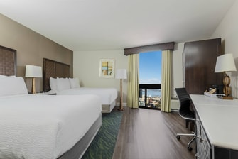 Queen/Queen Bay View Guest Room