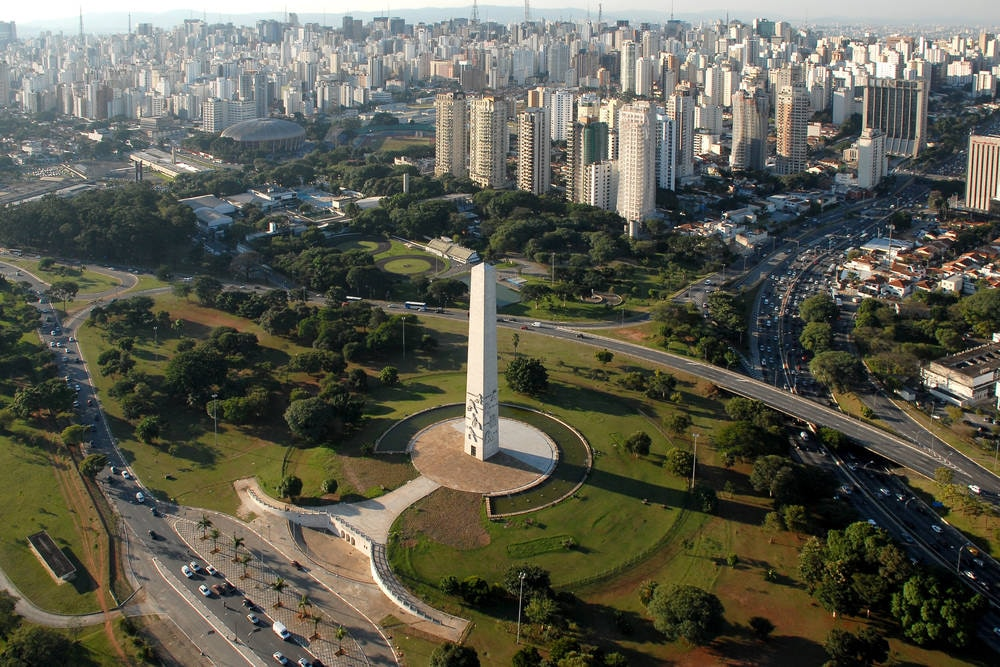 Obelisco en el Parque do Ibirapuera