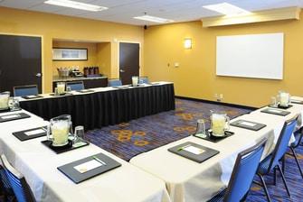 Sala de reuniones del Courtyard San Antonio Airport