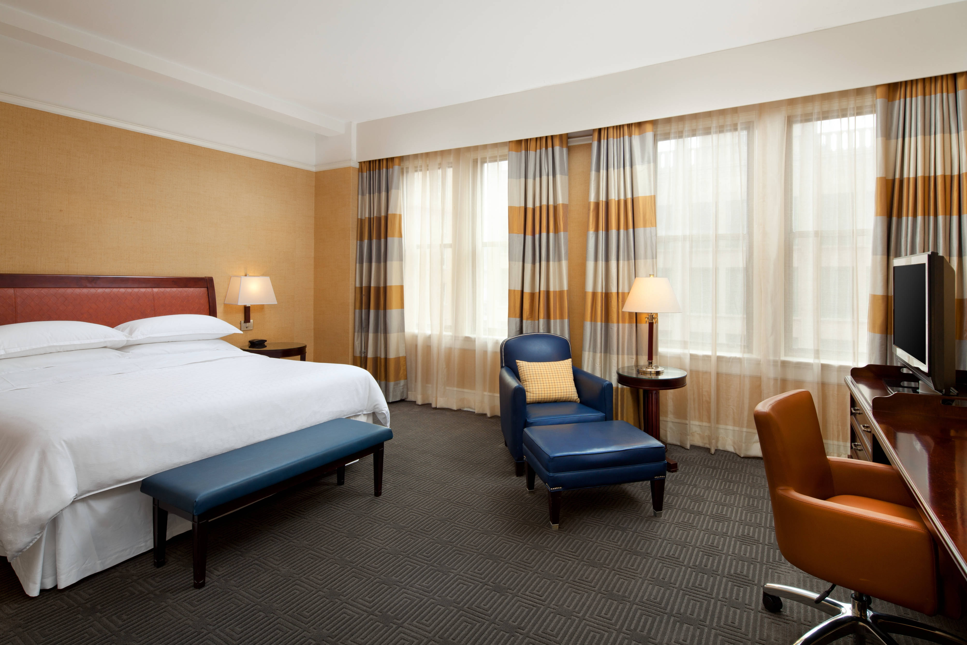 Market King Guest Room
