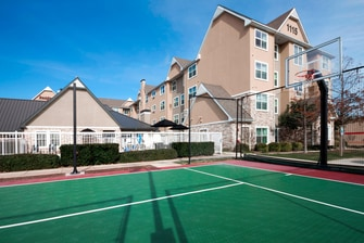 San Antonio Hotel Sport Court