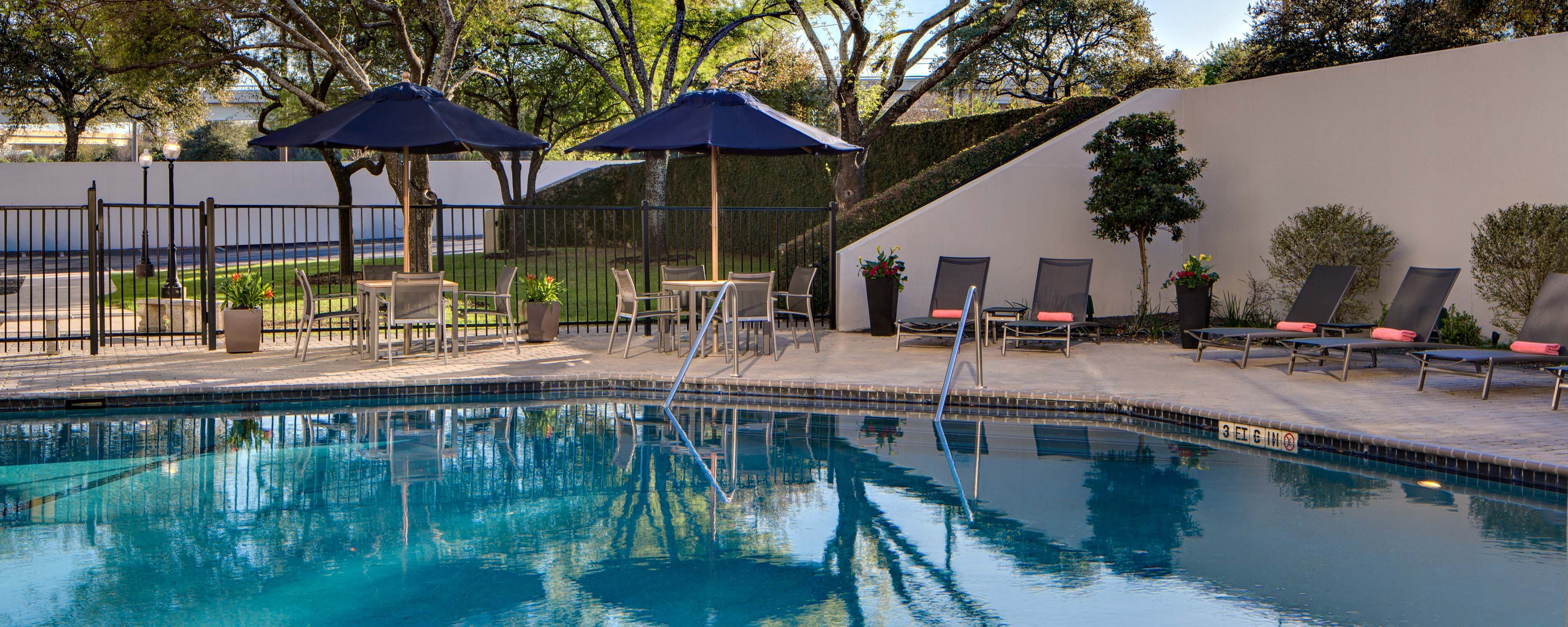 San Antonio Hotels with Outdoor Pool | San Antonio Marriott Northwest