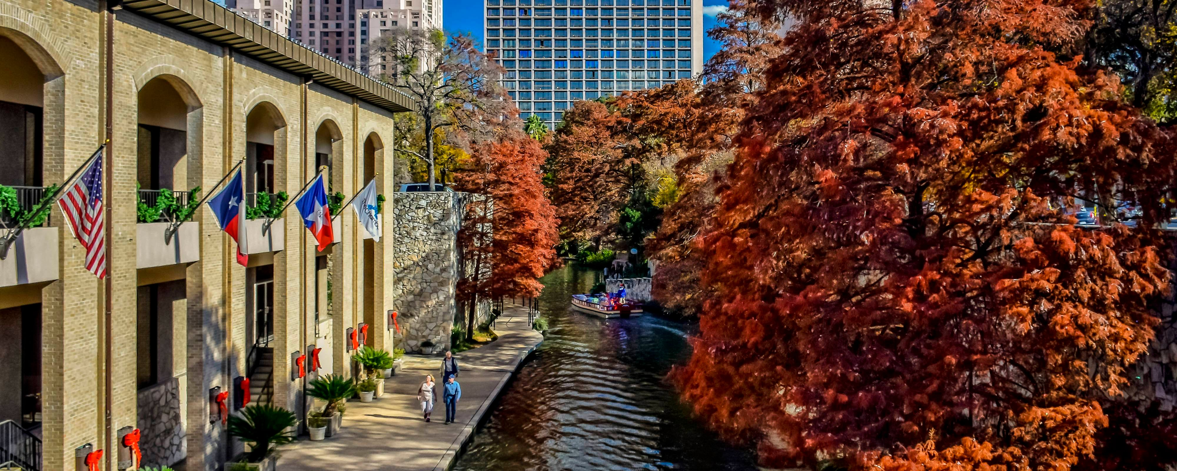 San Antonio River Walk hotel | San Antonio Marriott Rivercenter