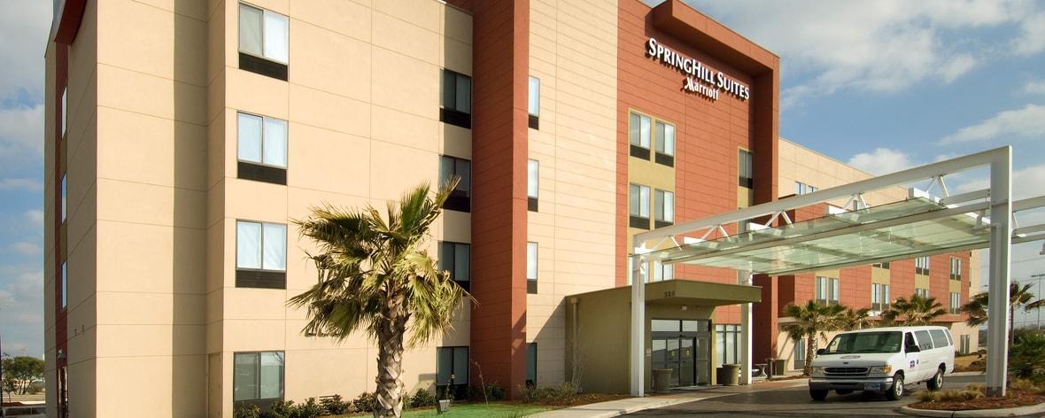 San Antonio Hotel Entrance