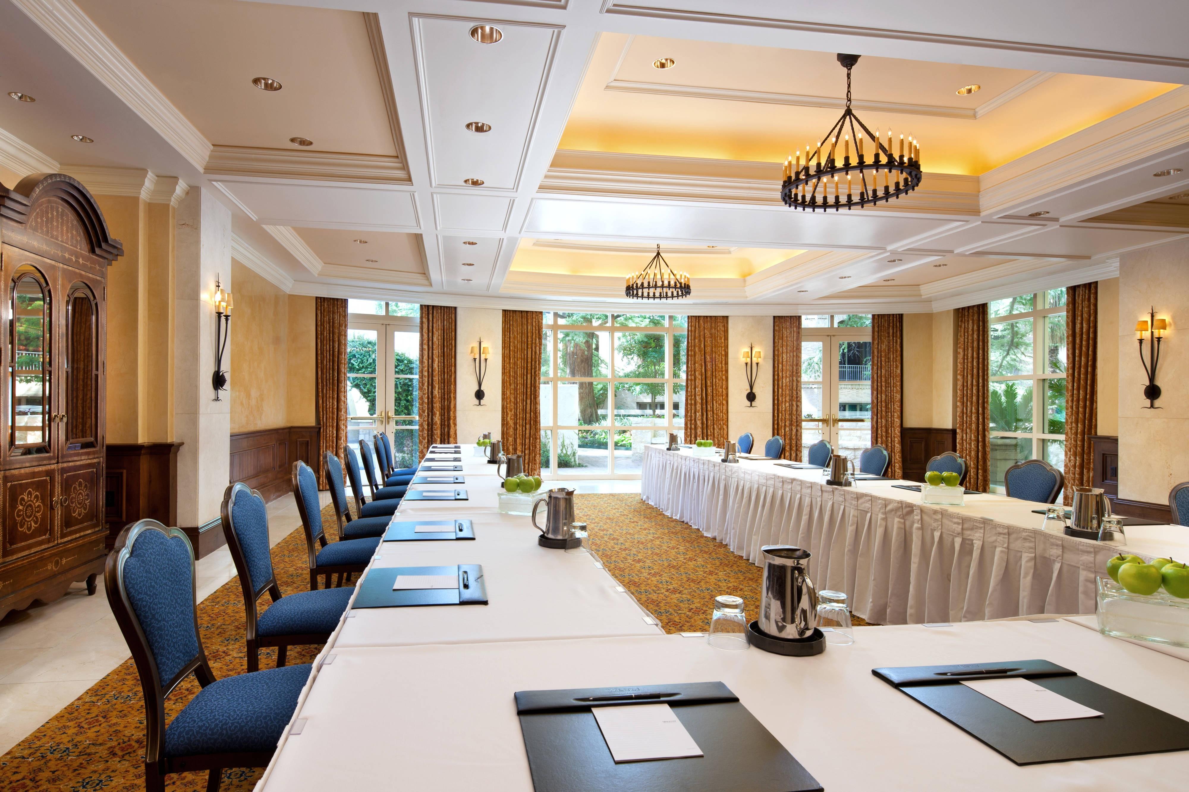 Olivares Meeting Room