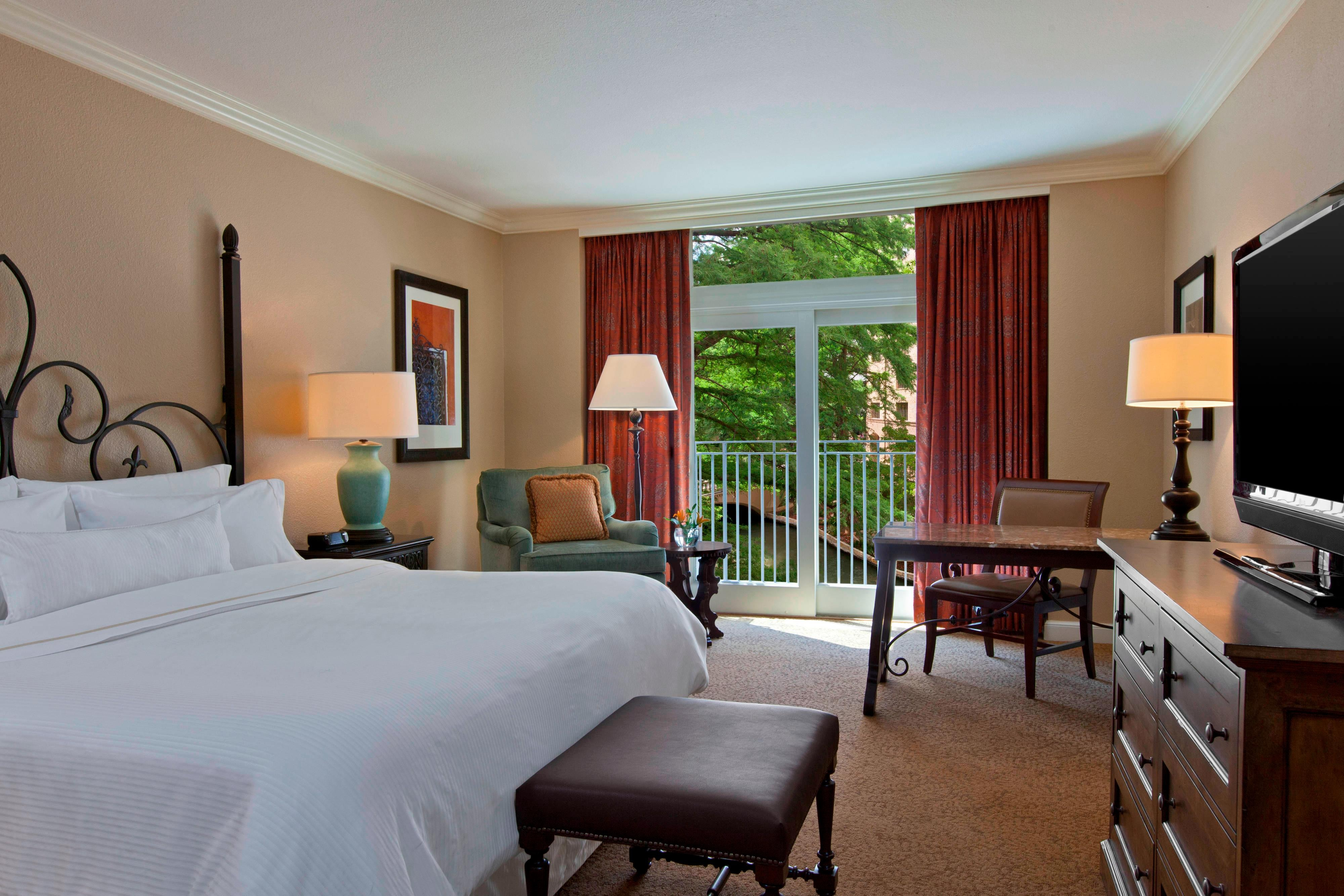 King Premium River View Guest Room