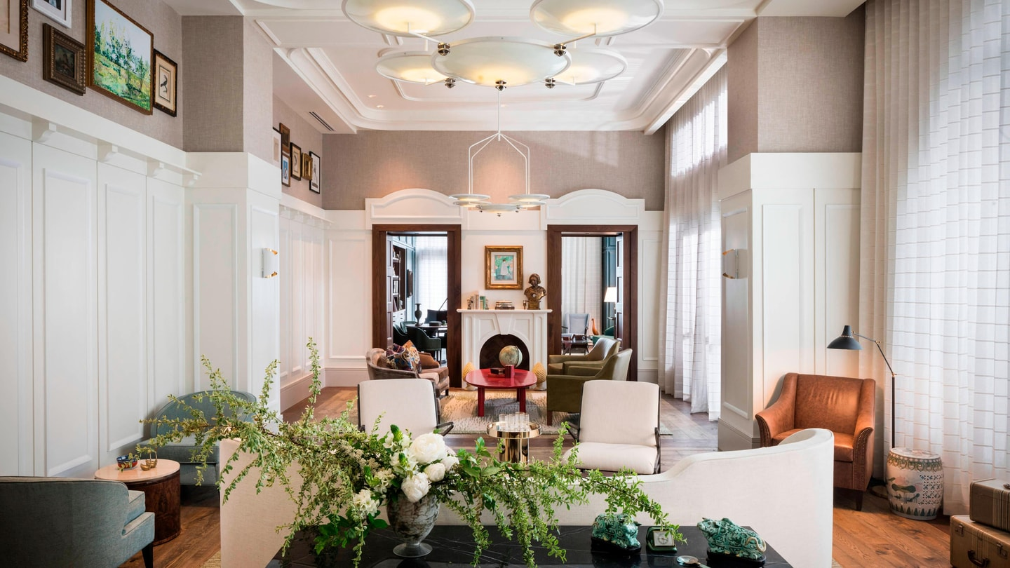 Magnificent Savannah Ga Hotels Perry Lane Hotel A Luxury Collection Interior Design Ideas Oxytryabchikinfo