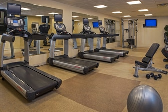 Downtown Savannah hotel with gym