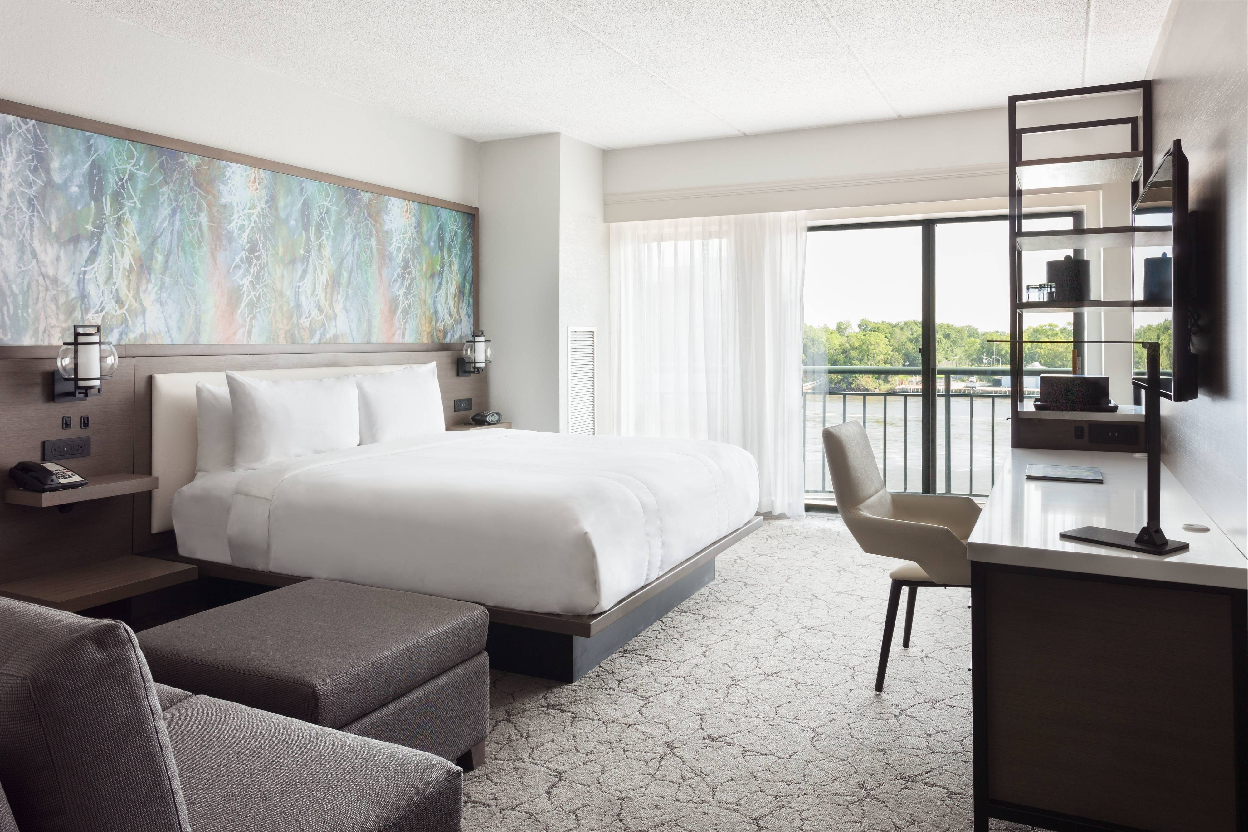 King Riverfront View Guest Room