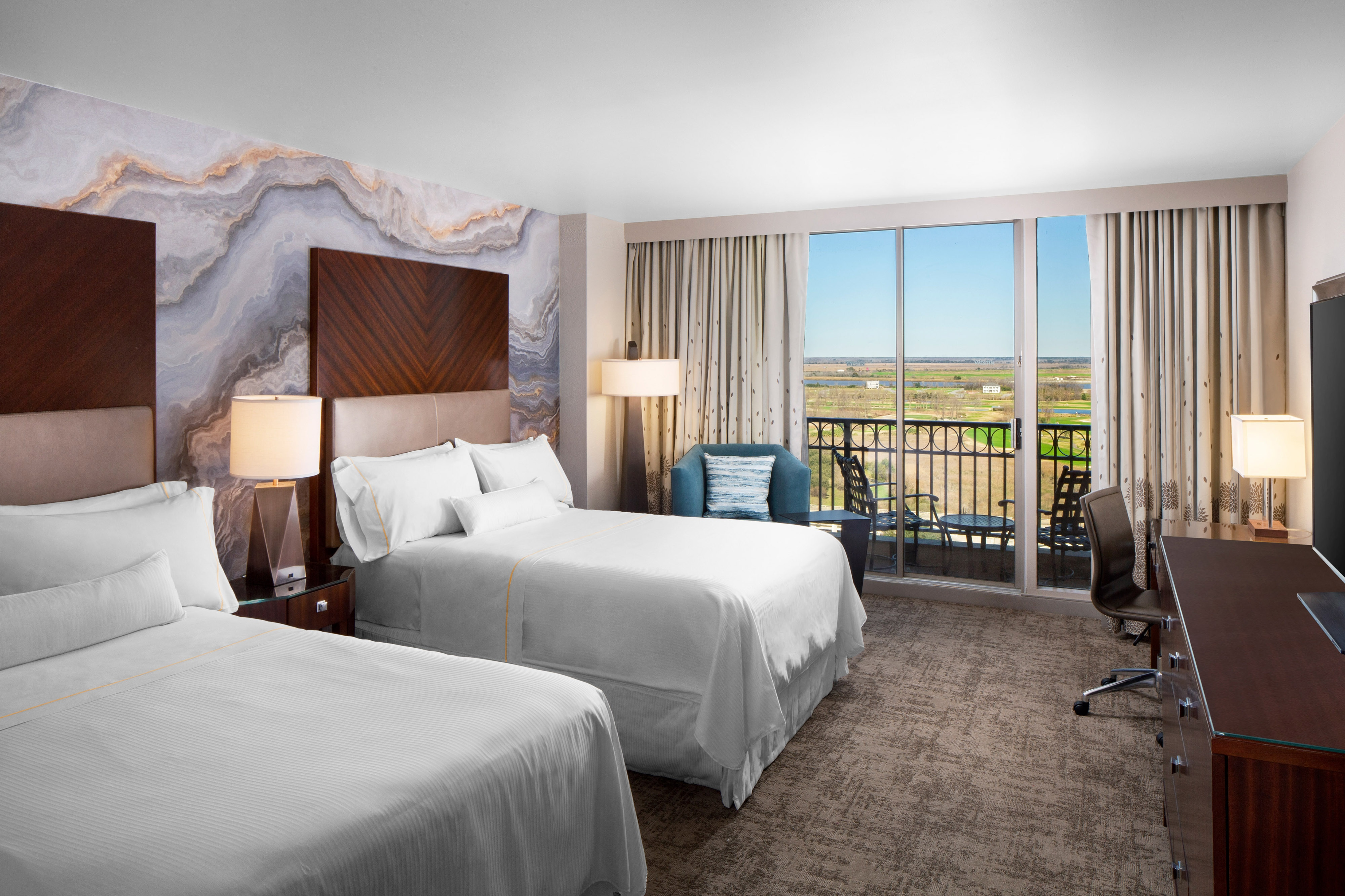 Double/Double Guest Room - Golf View with Balcony