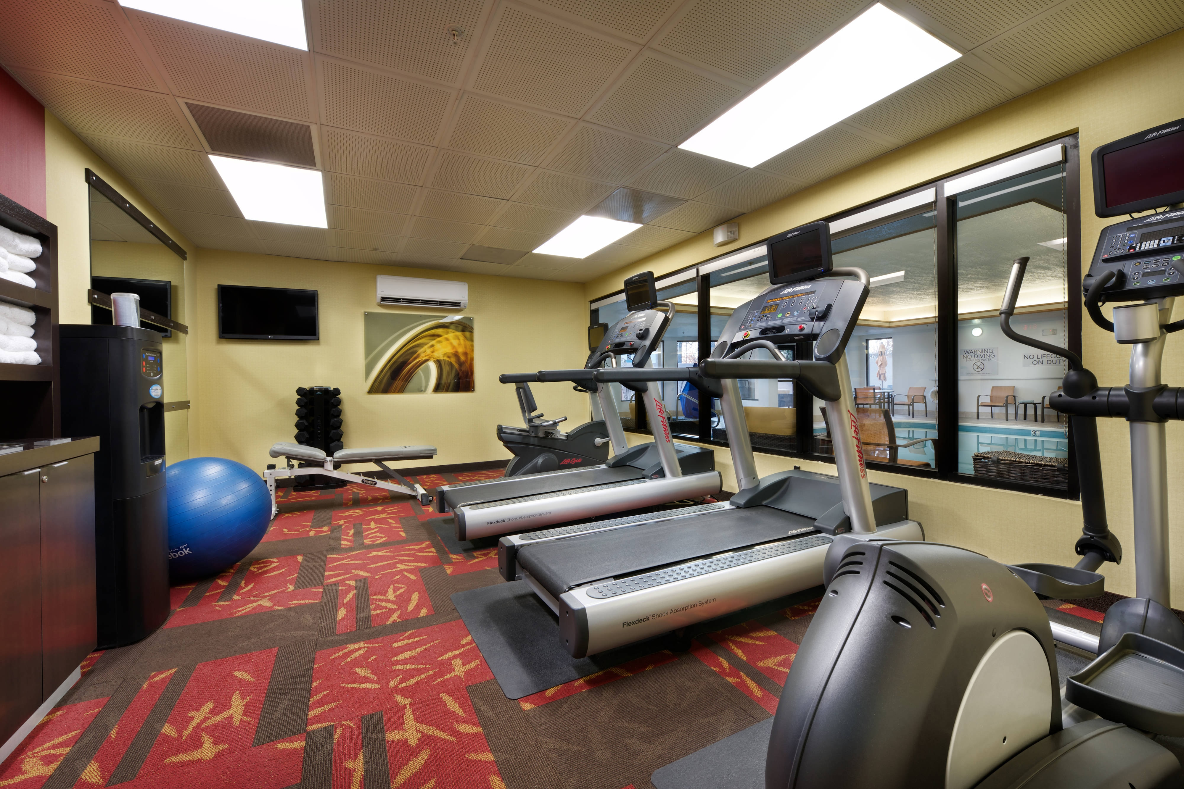 Mishawaka Hotel with Gym