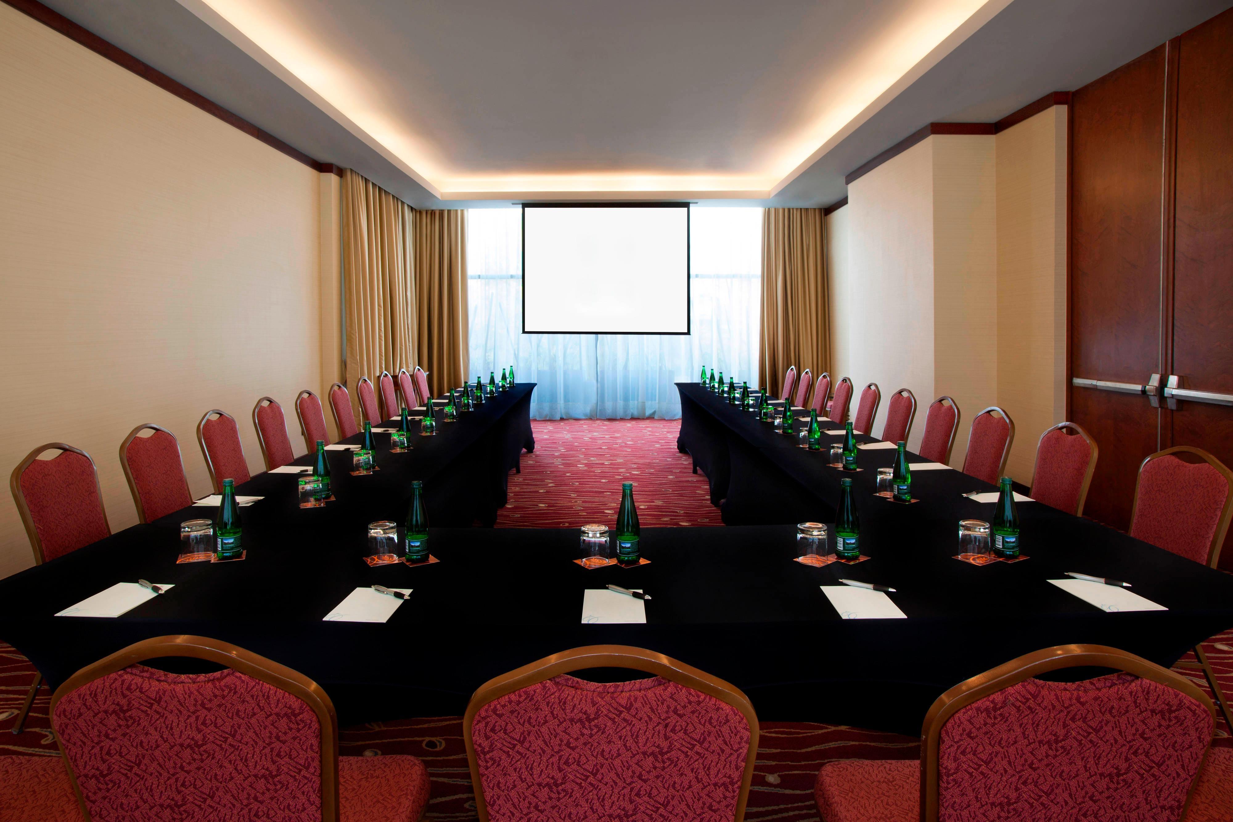 Directory E Boardroom - U-Shape