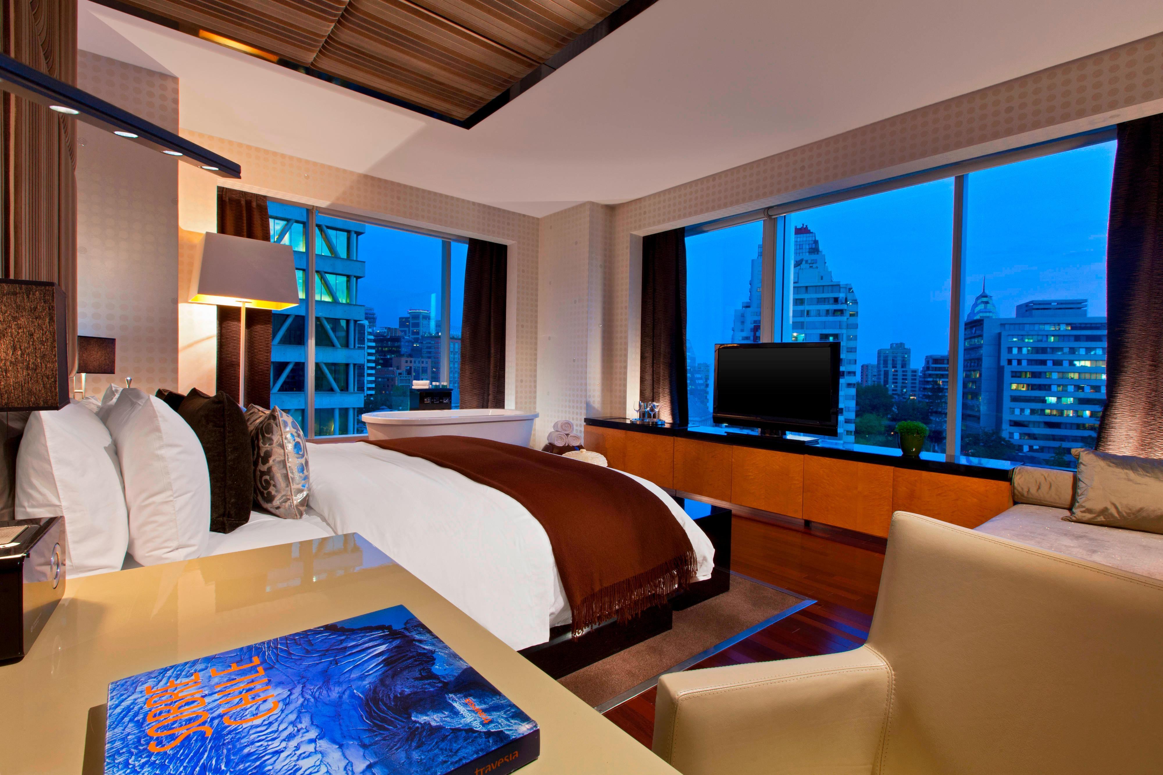 E WOW Suite - Bedroom