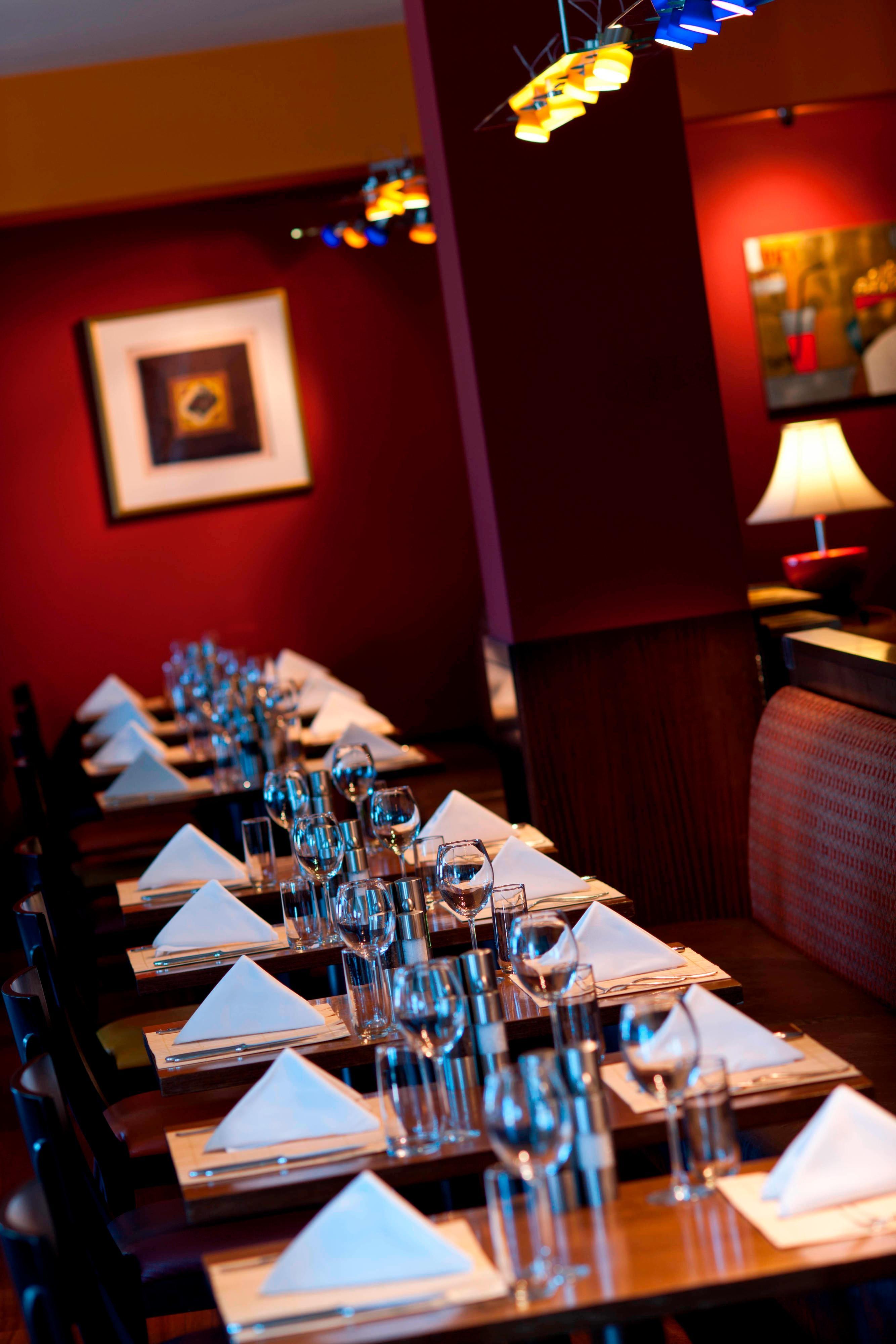 Ресторан в отеле Renaissance(Актау)