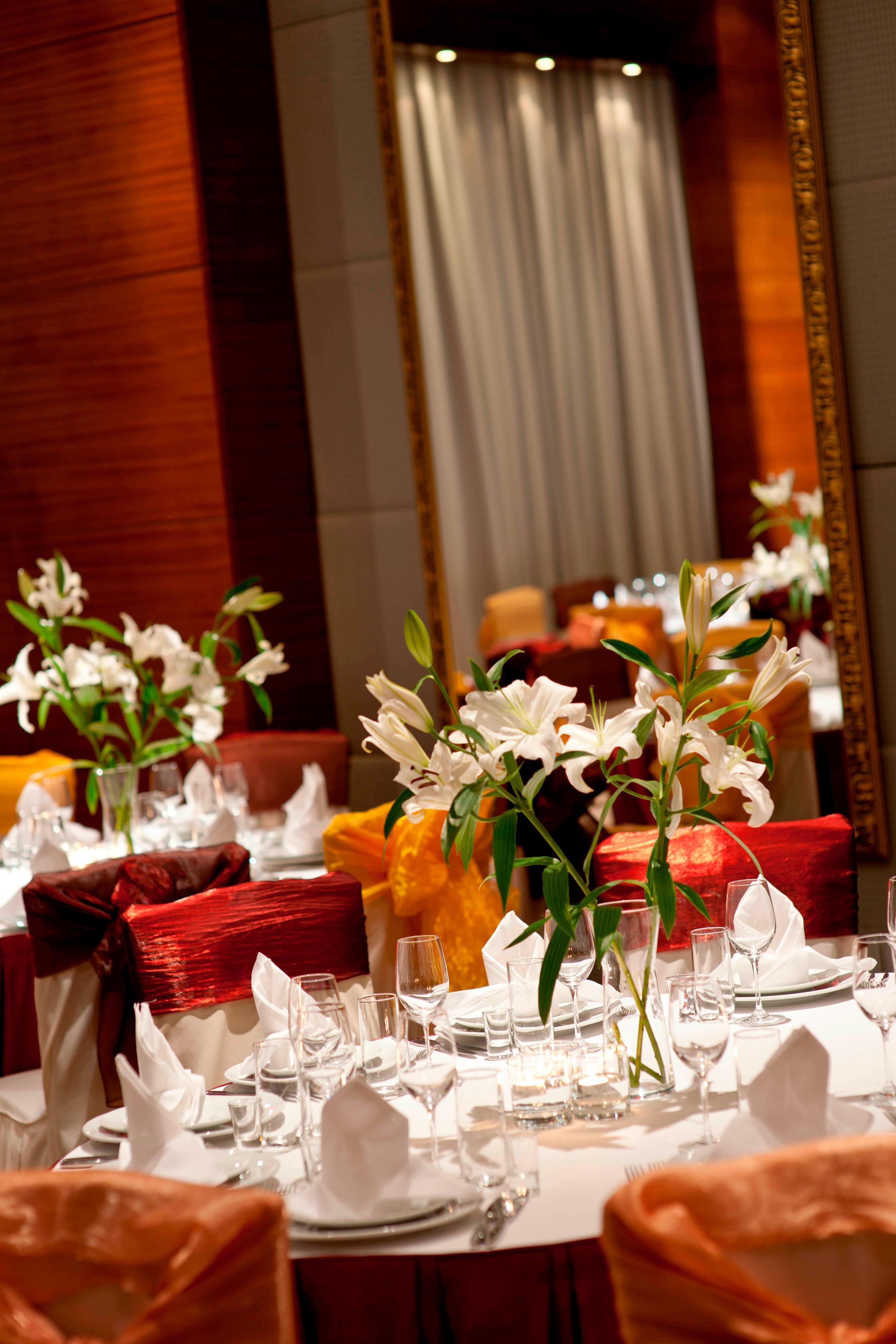 Зал для проведения свадьбы в отеле Renaissance(Актау)
