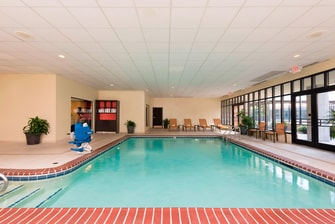 Hotel photos courtyard louisville downtown photo gallery - University of louisville swimming pool ...