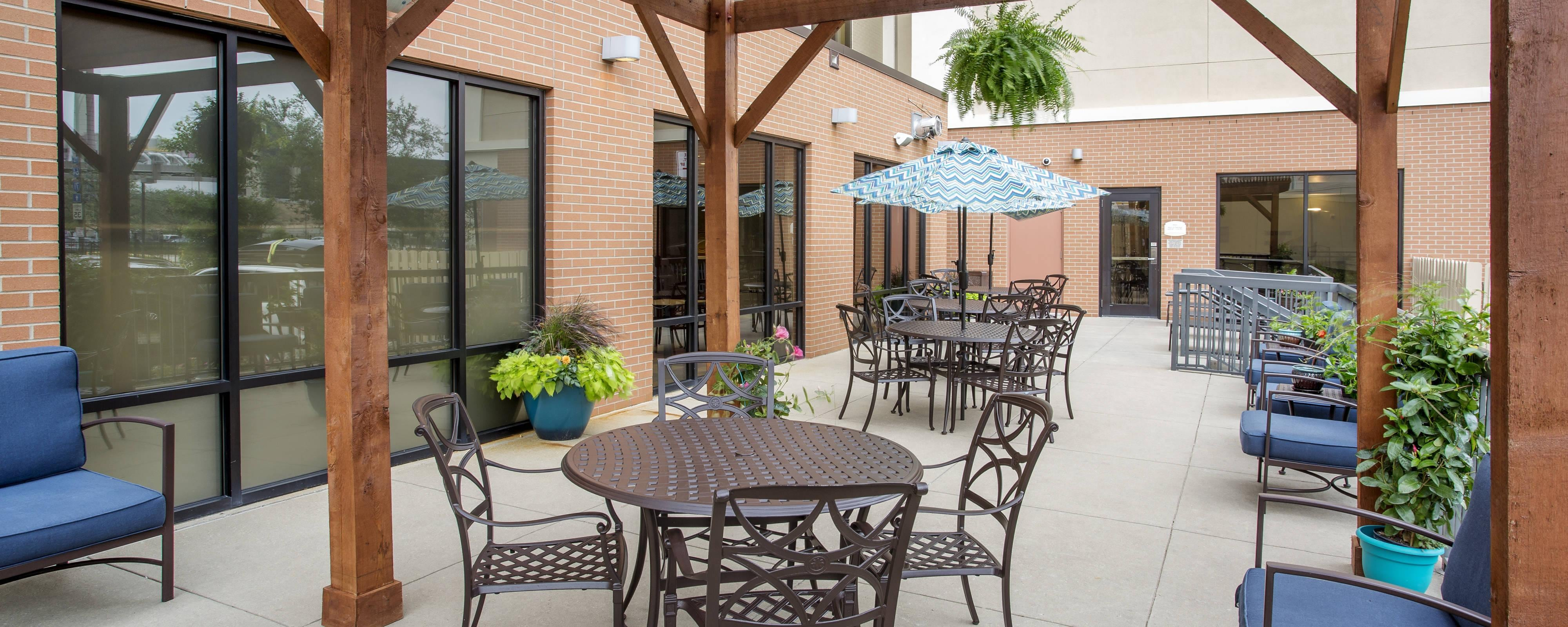 Downtown Louisville Hotel Patio