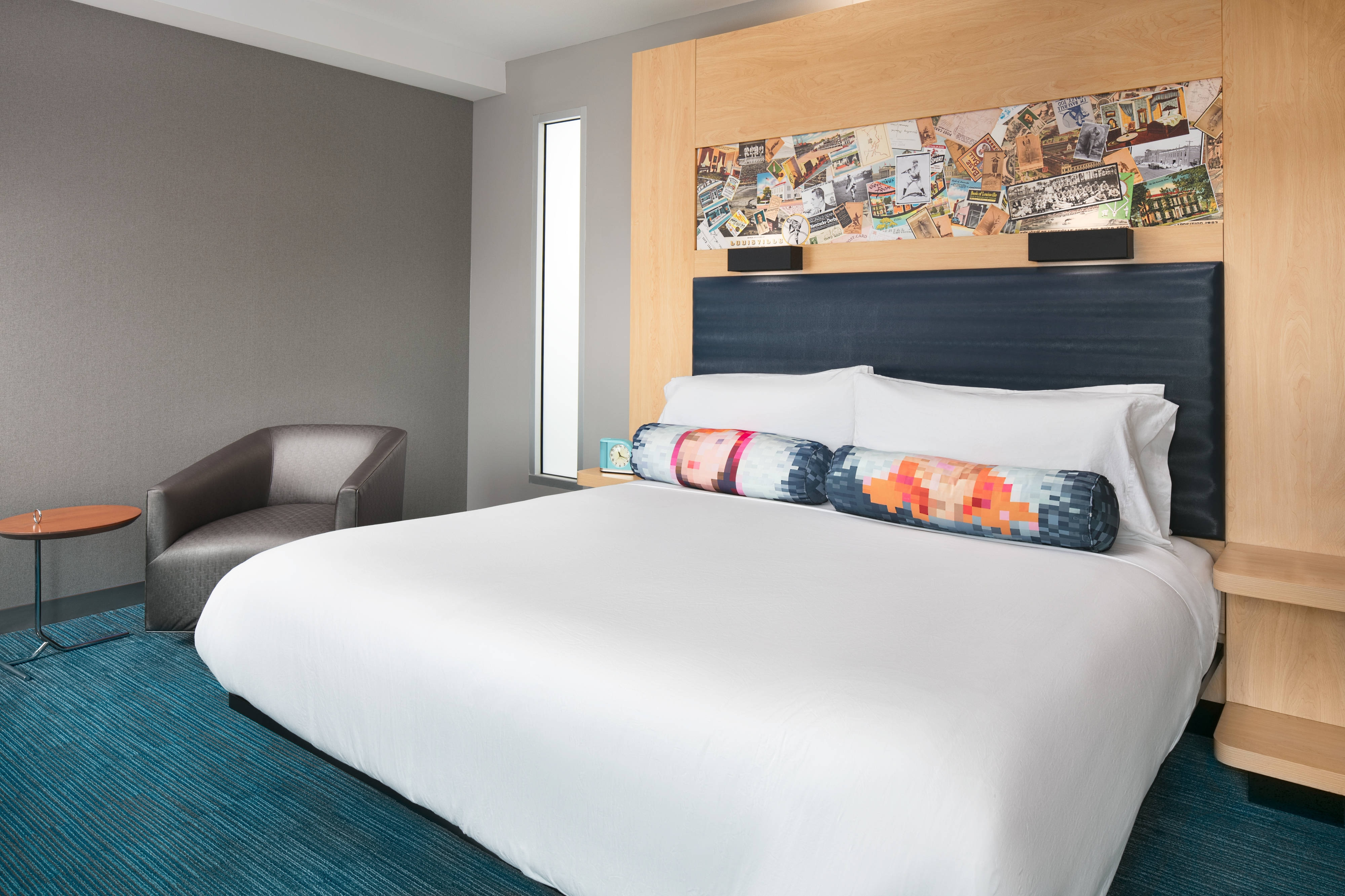 King Savvy Guest Room