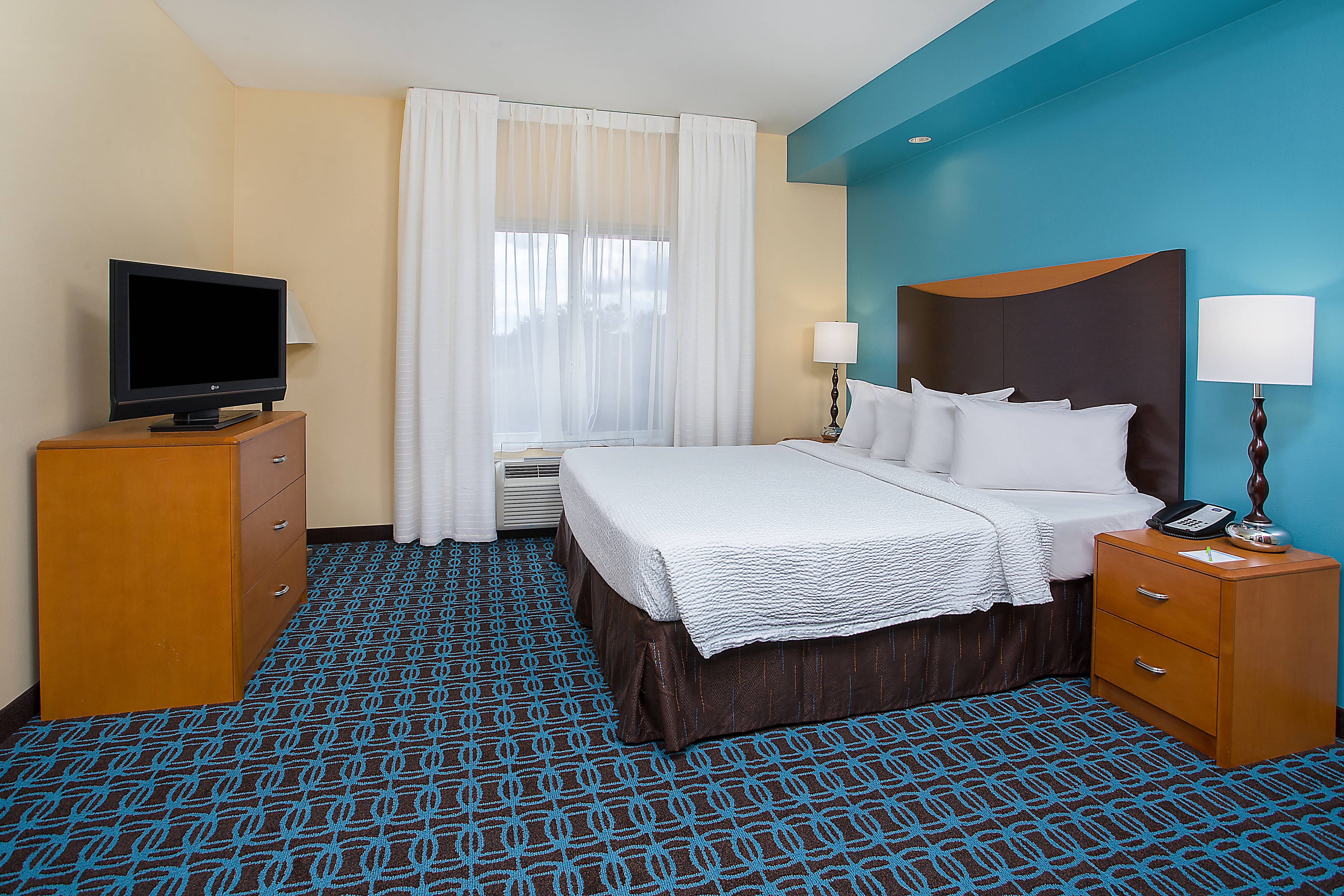 Guest room Suite Style Hotel in Louisville KY