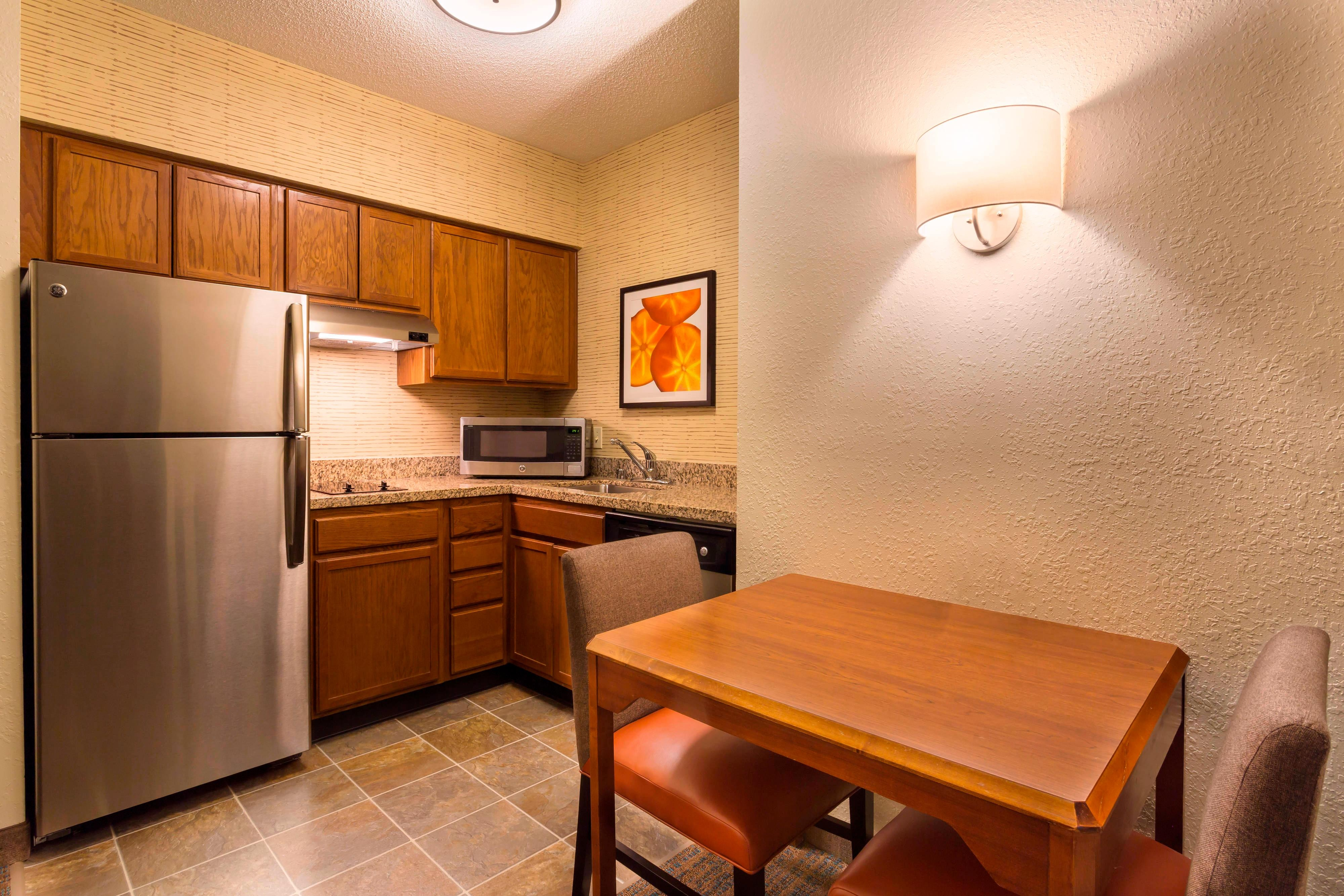Northeast Louisville Suites with Kitchens