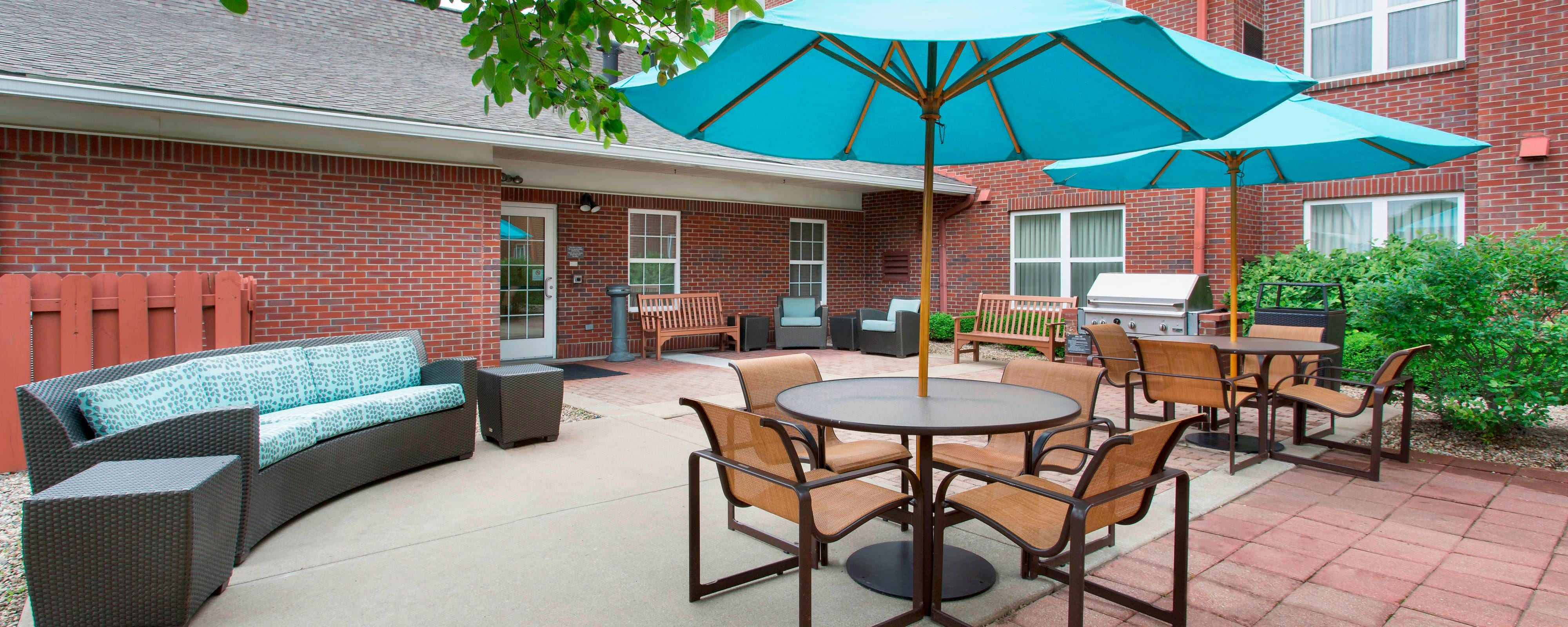 Northeast Louisville Hotel Patio