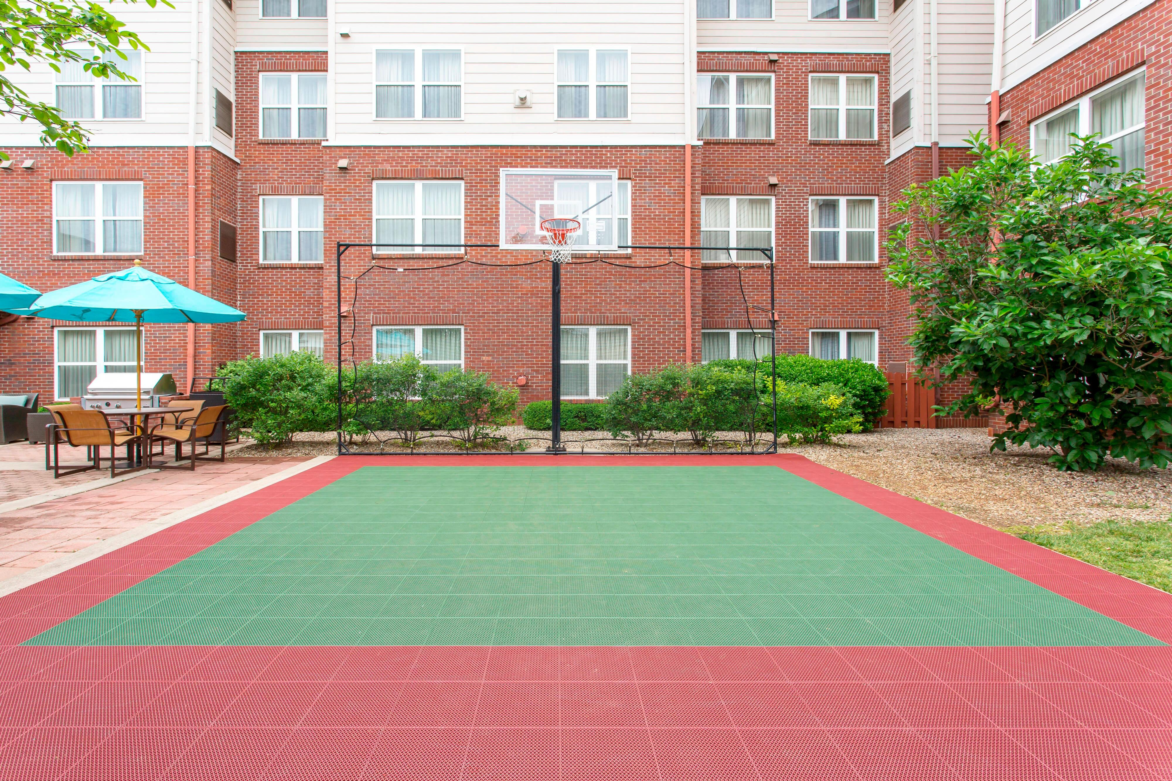 Northeast Louisville Hotel Sport Court