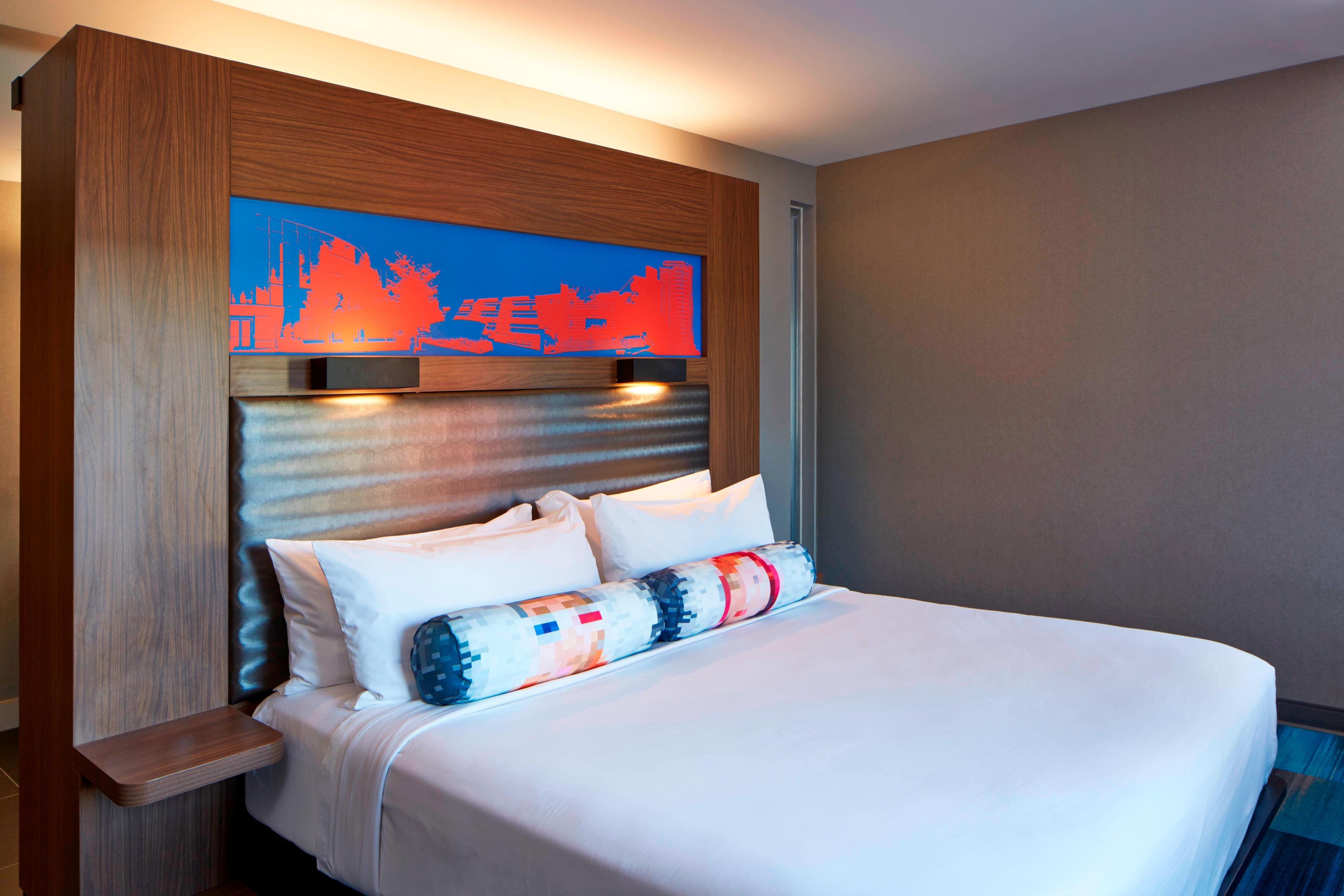 Aloft King - Guest Room