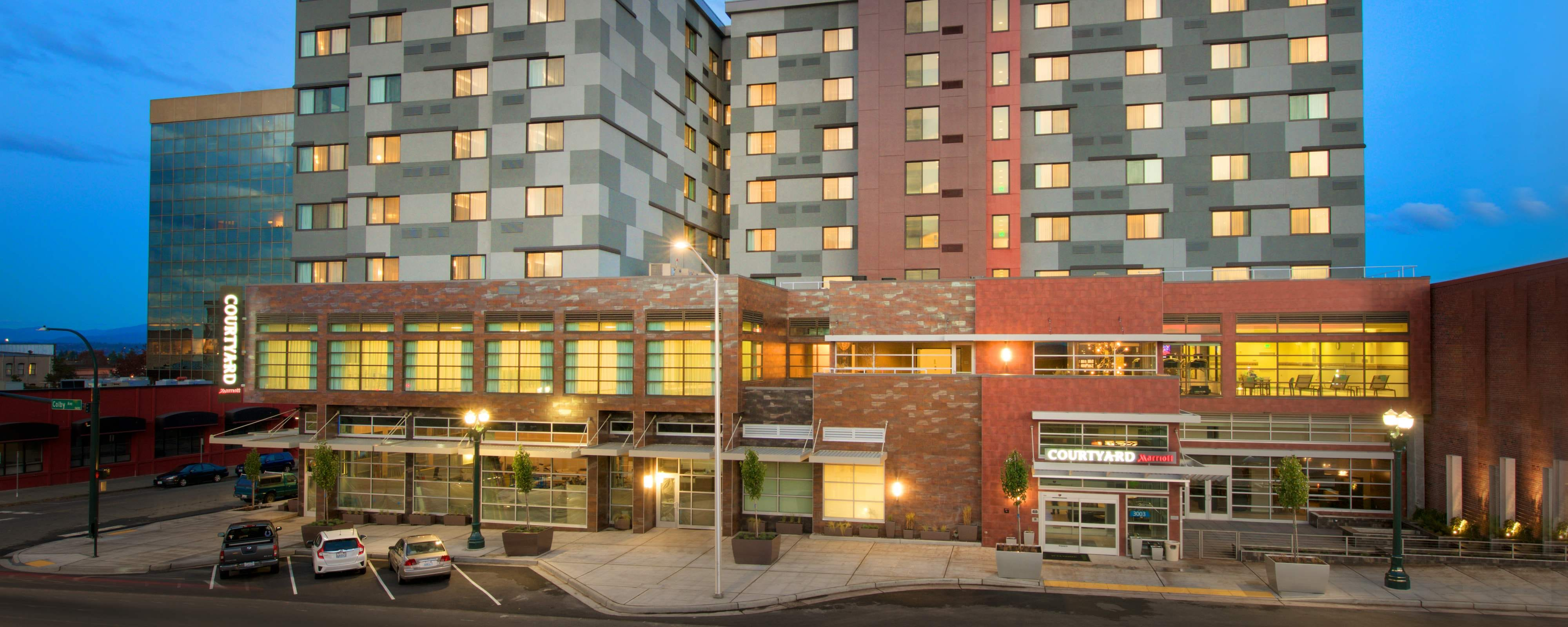 Downtown Everett, WA, Hotel | Courtyard