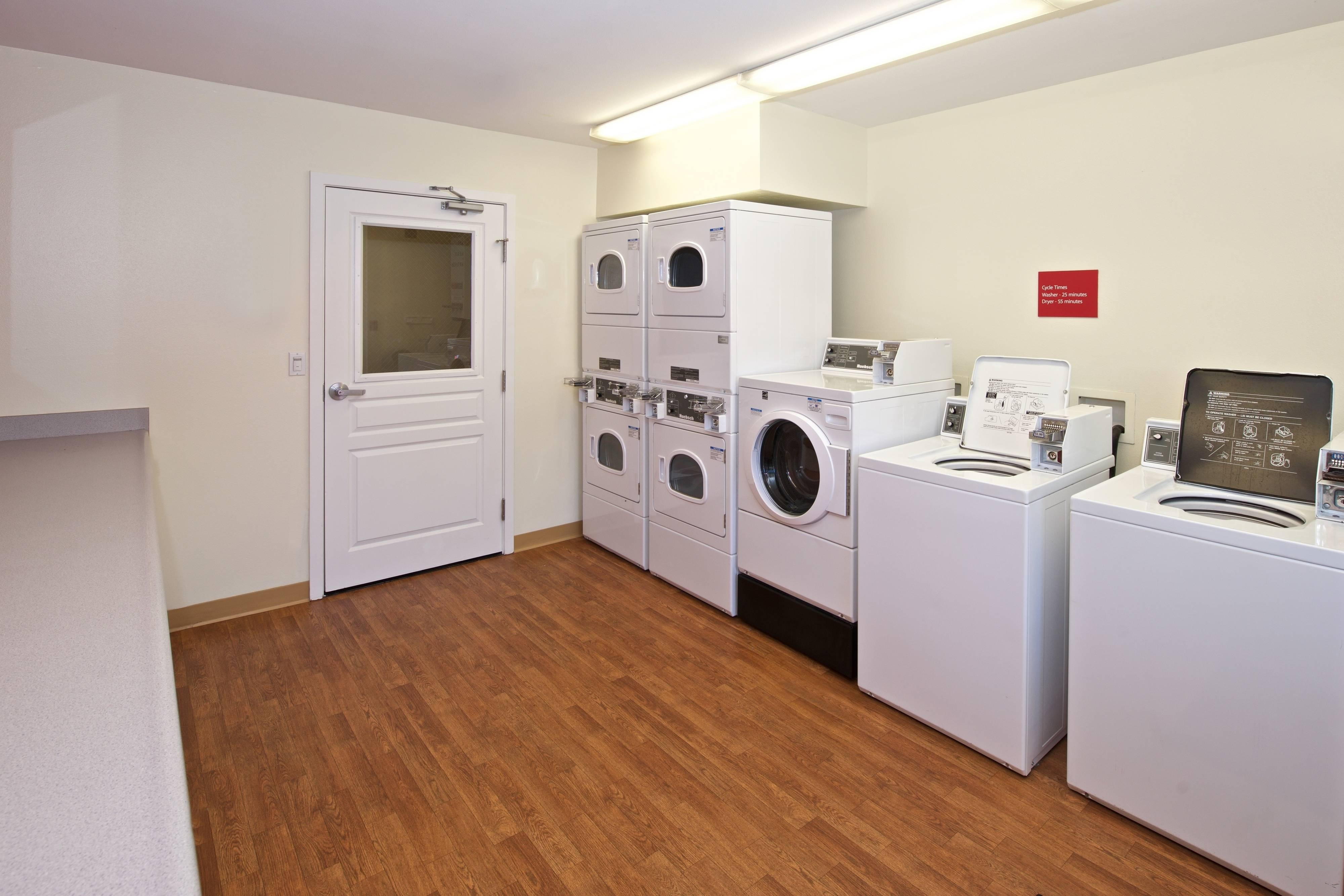 Guest Laundry TownePlace Suites hotel in Kent WA