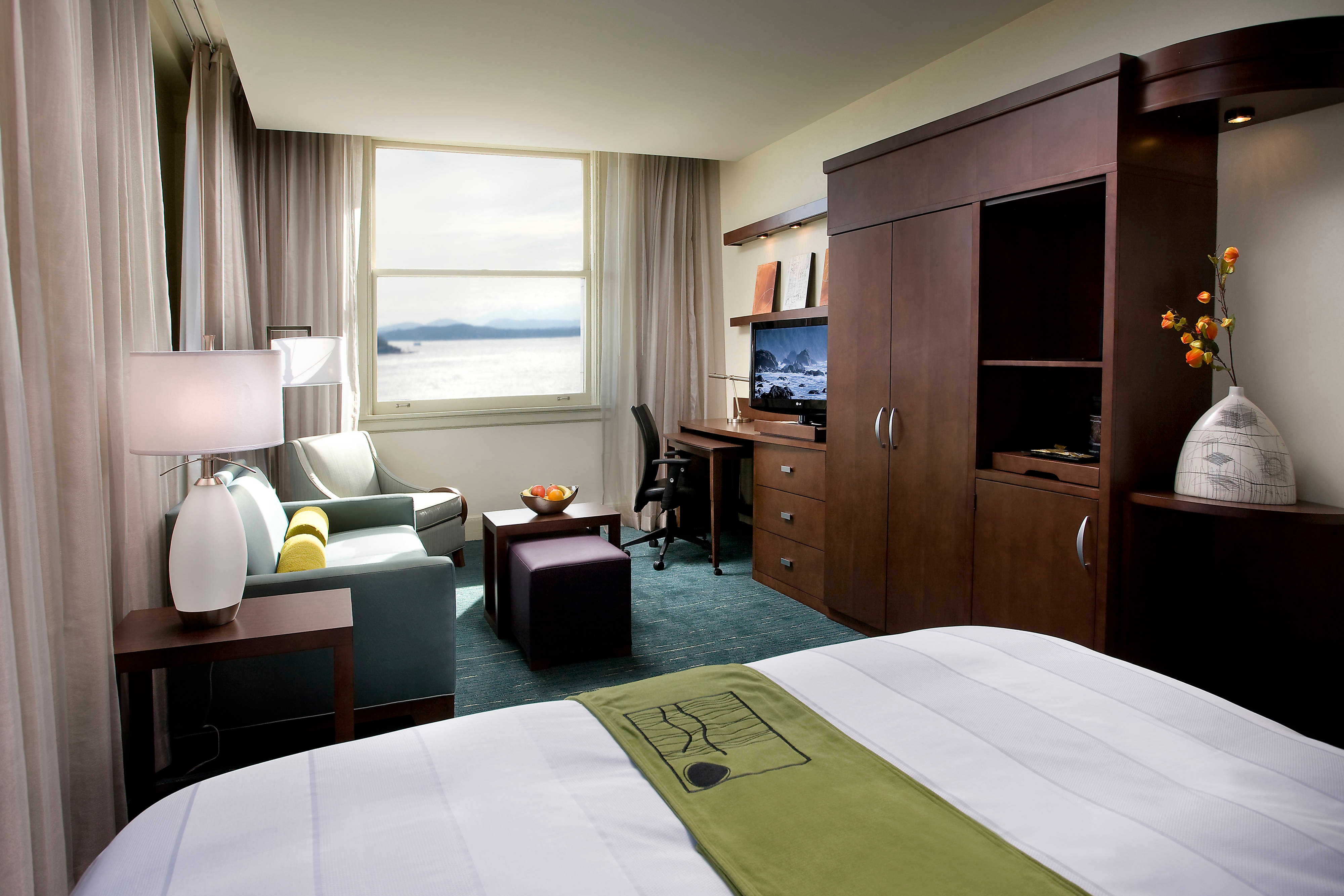 Hotels in pioneer square seattle courtyard hotel seattle for Bayview apartments seattle