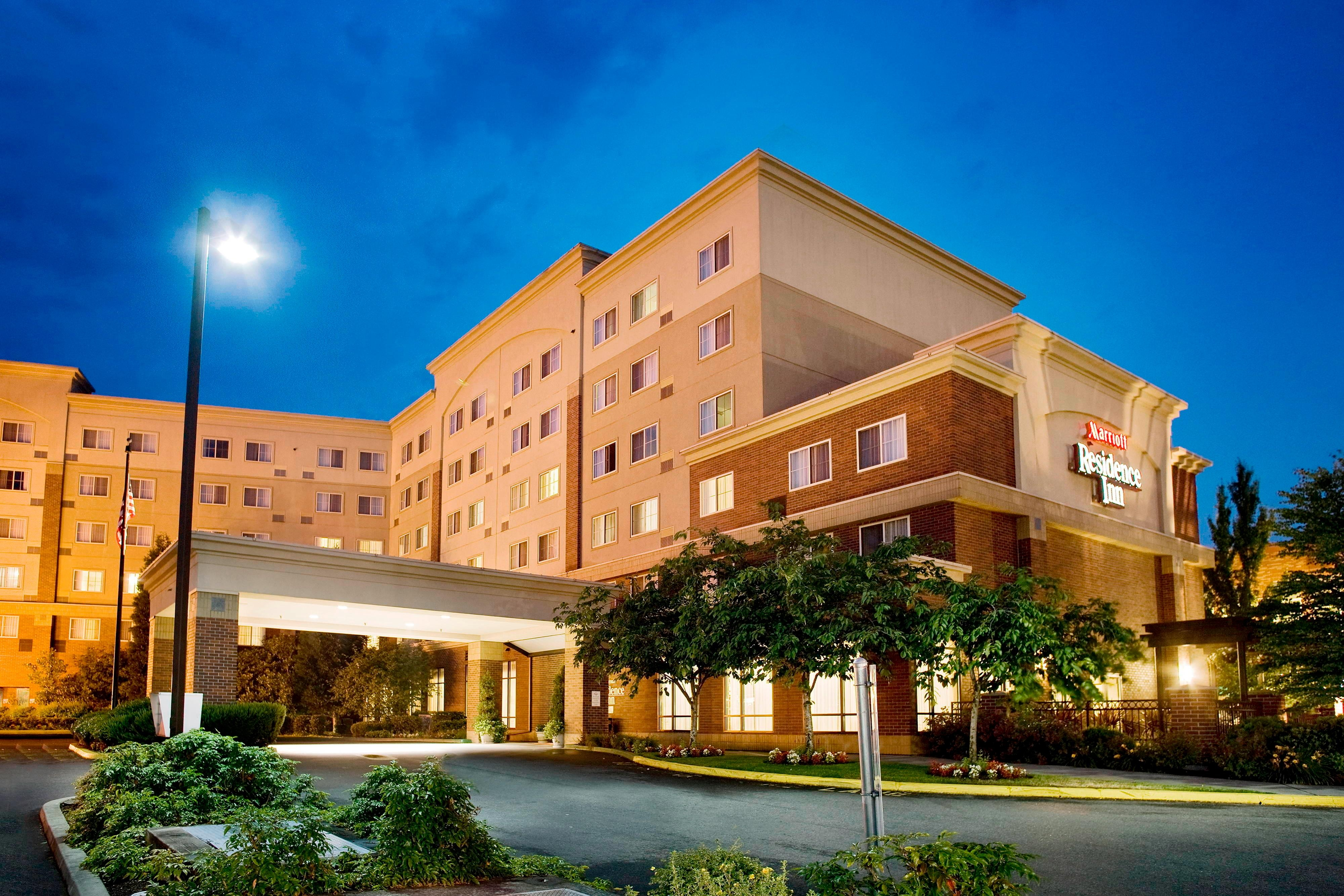 Residence Inn Redmond Night Exterior