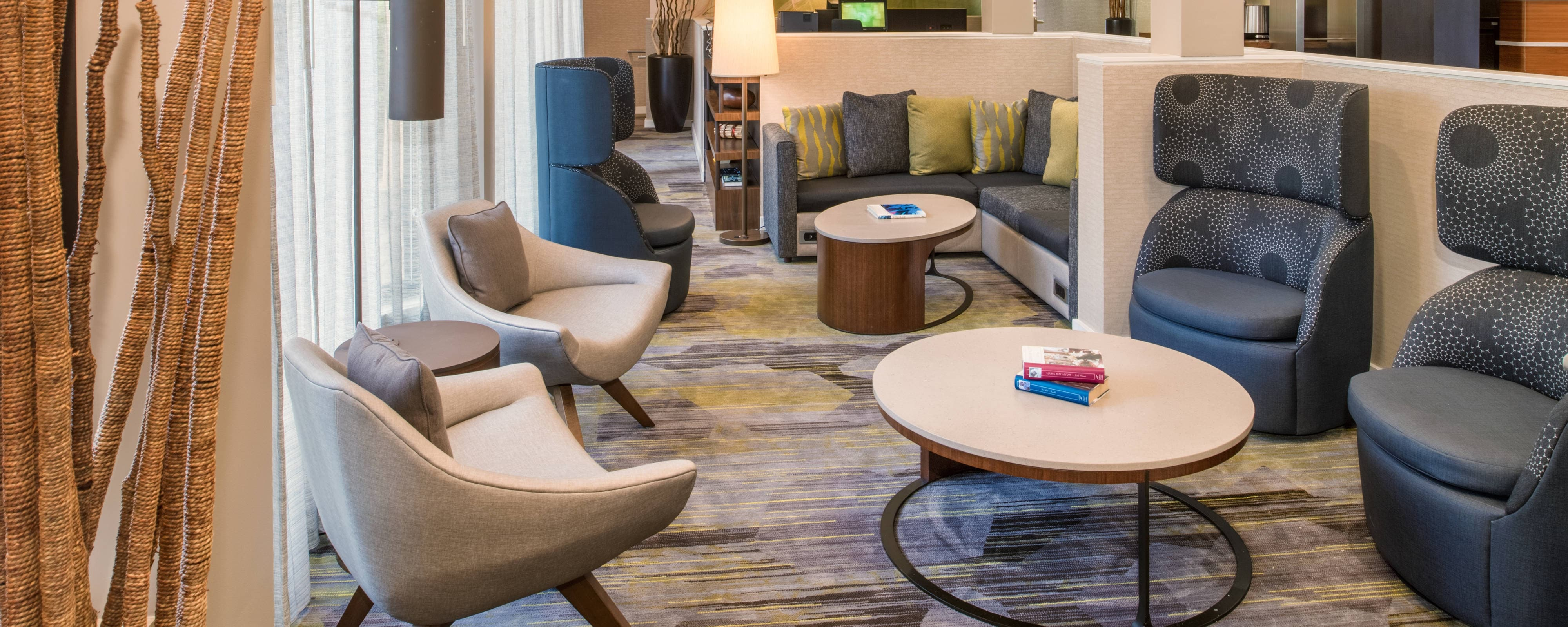 Hotels In Tukwila Washington With Park And Fly Courtyard Seattle