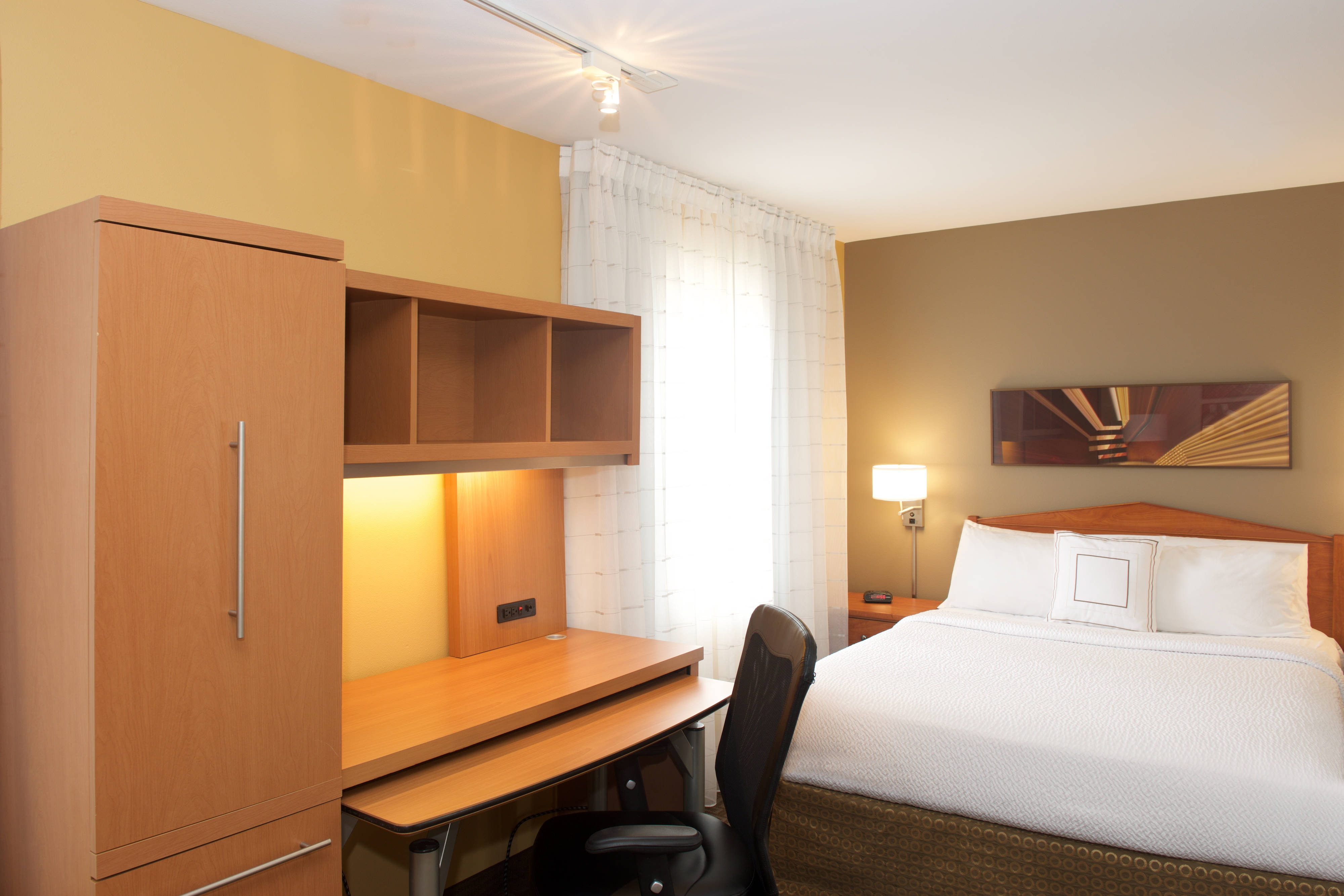 Queen Studio Suite-extended stay hotel