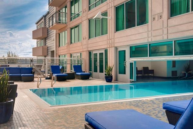 Outdoor/Indoor Pool