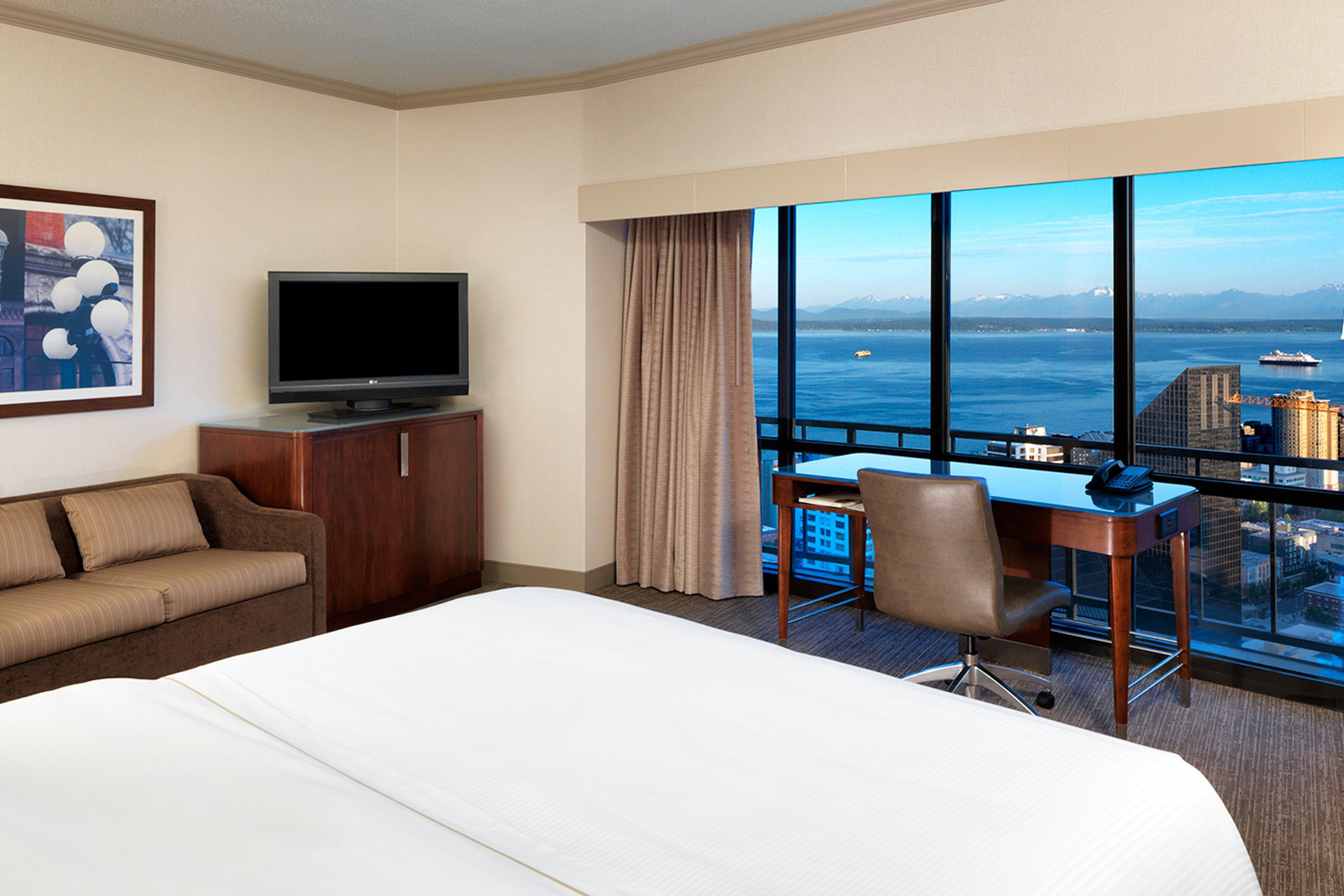 Grand View King Guest Room