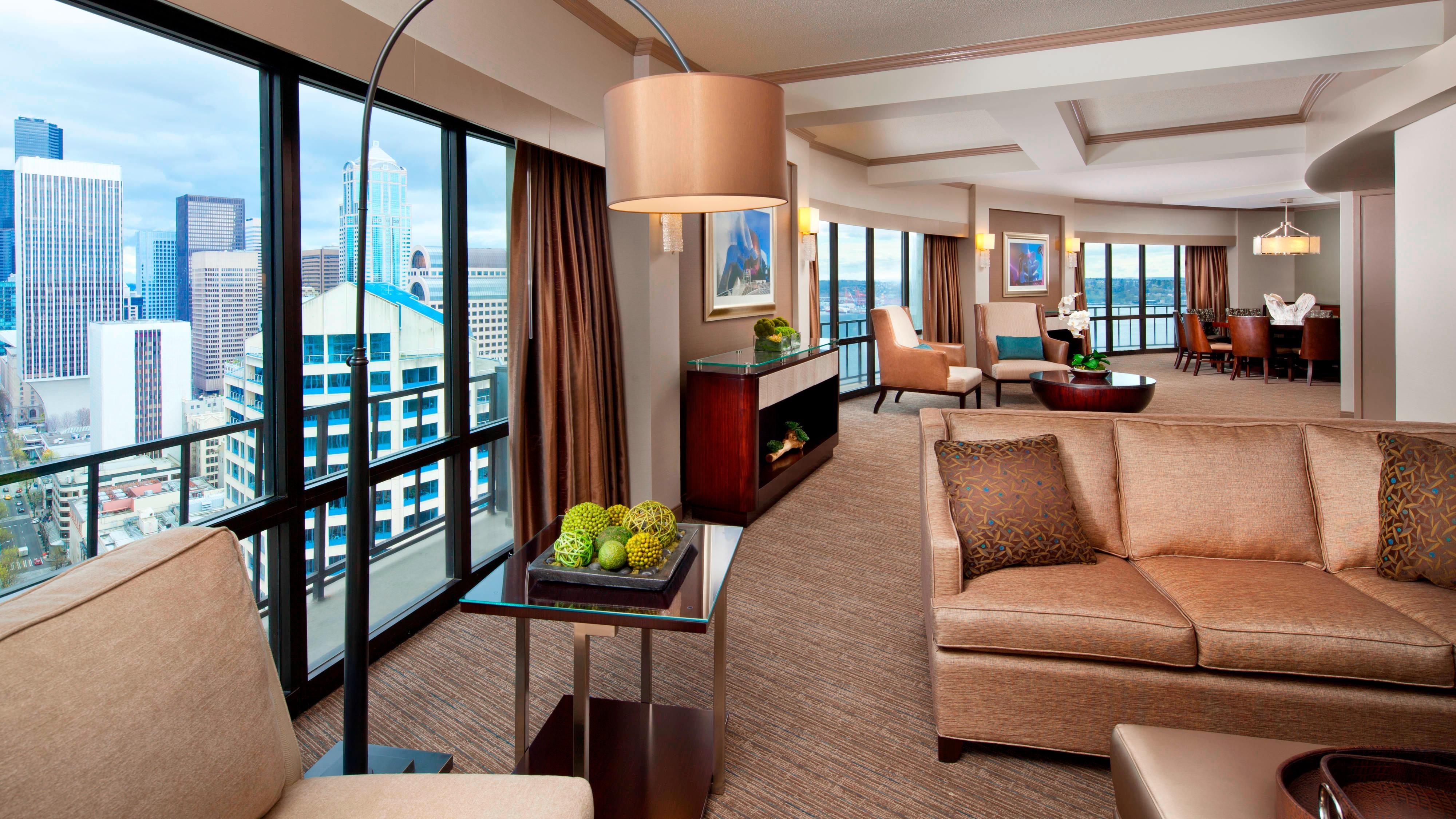 Rainier Suite - Living Room
