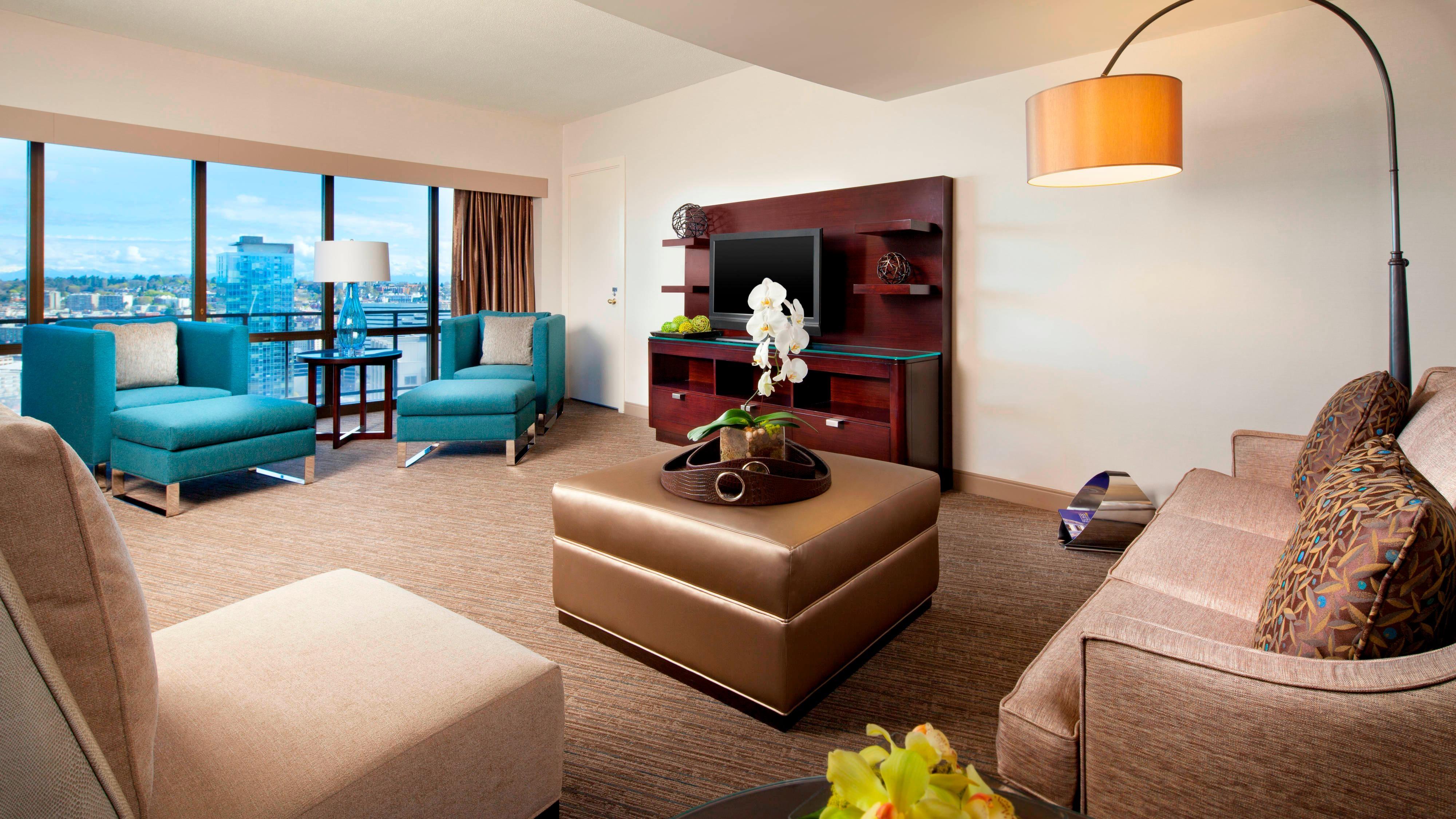 Cascade Suite - Living Room