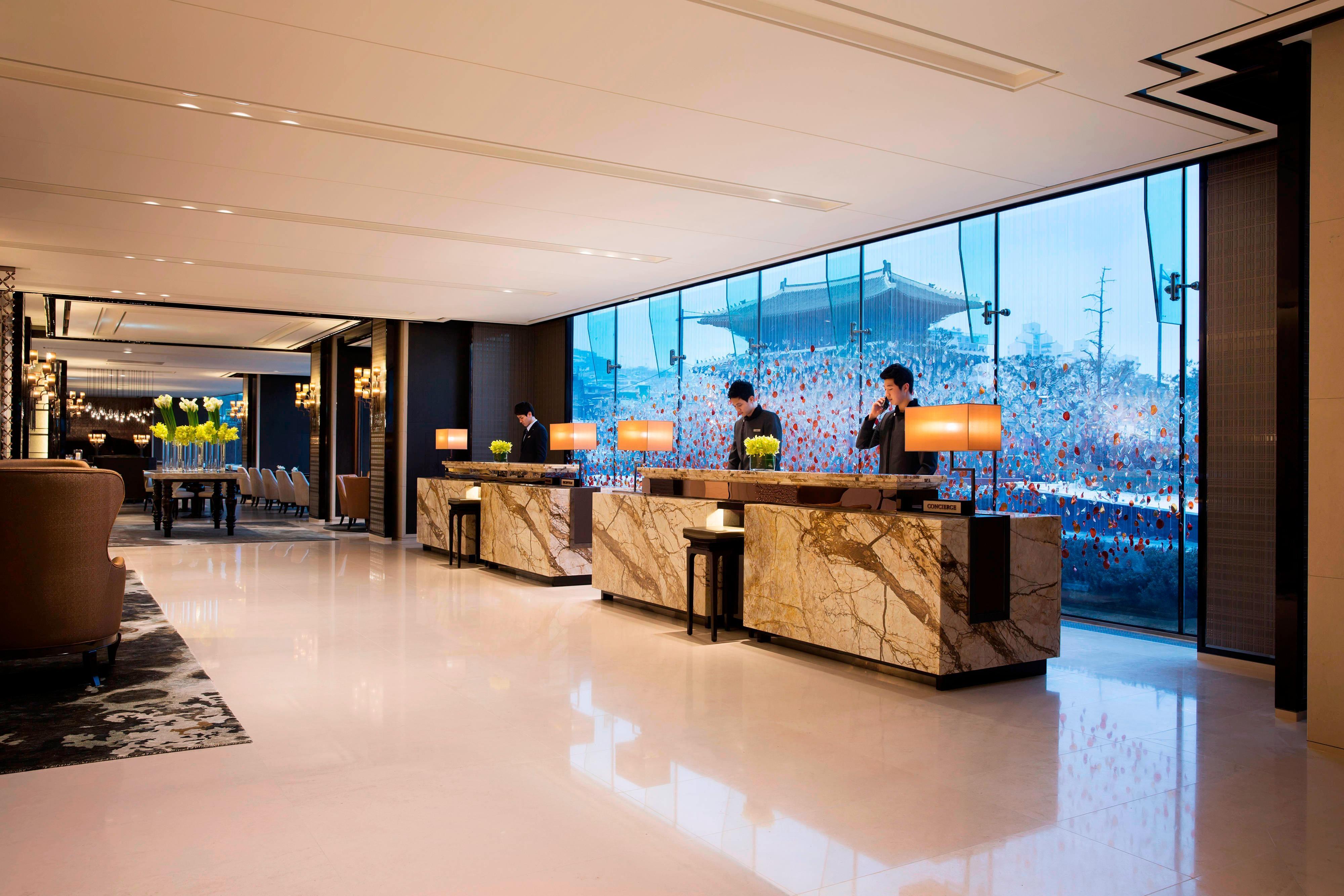 서울의 호텔 프런트 데스크