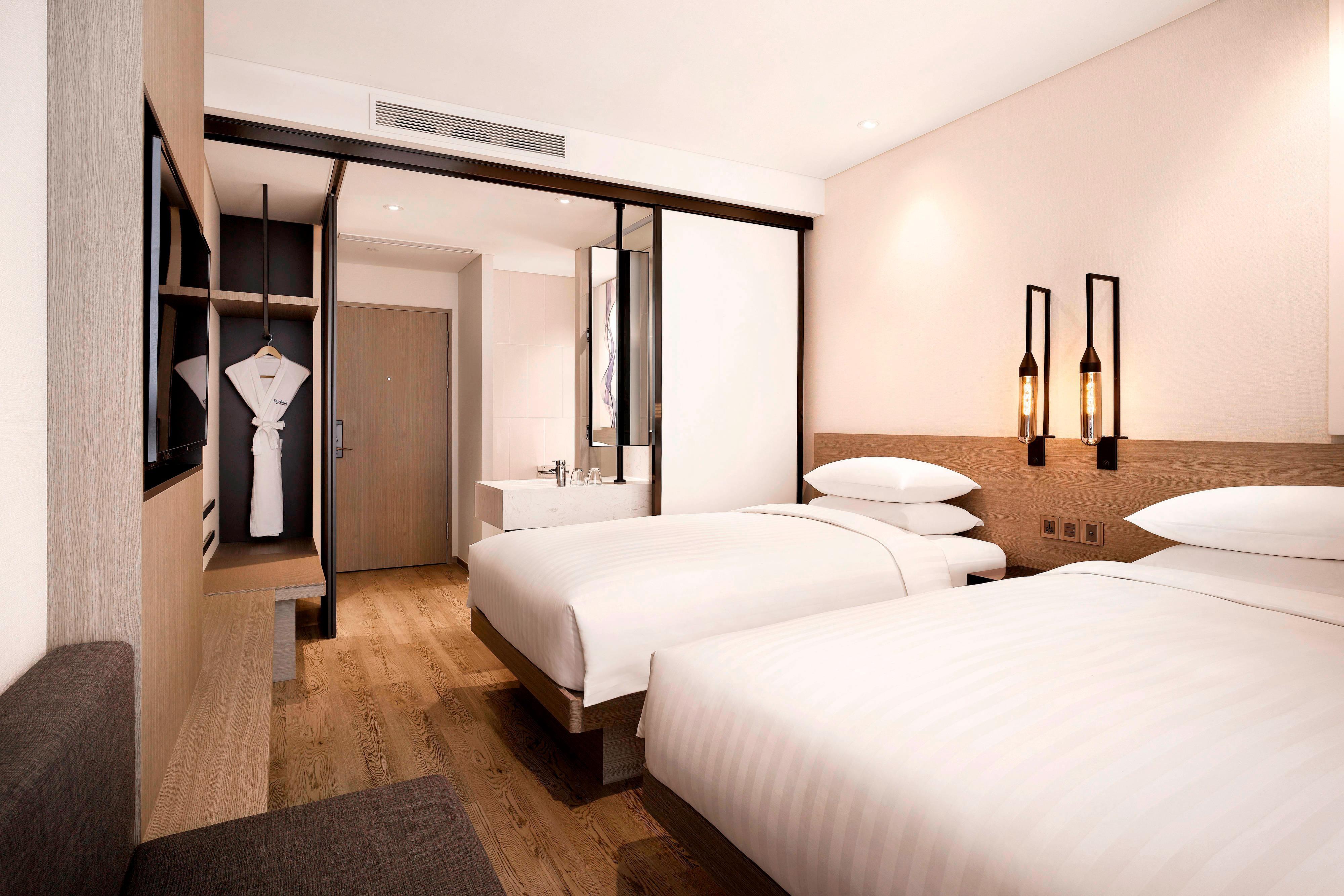 Twin/Twin Guest Room - Bedroom