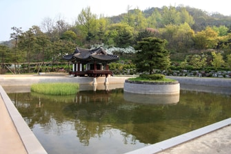 Weolmi Park - Korean Traditional Pavilion