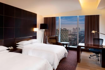 Club Deluxe 2 Double Beds Room - City View