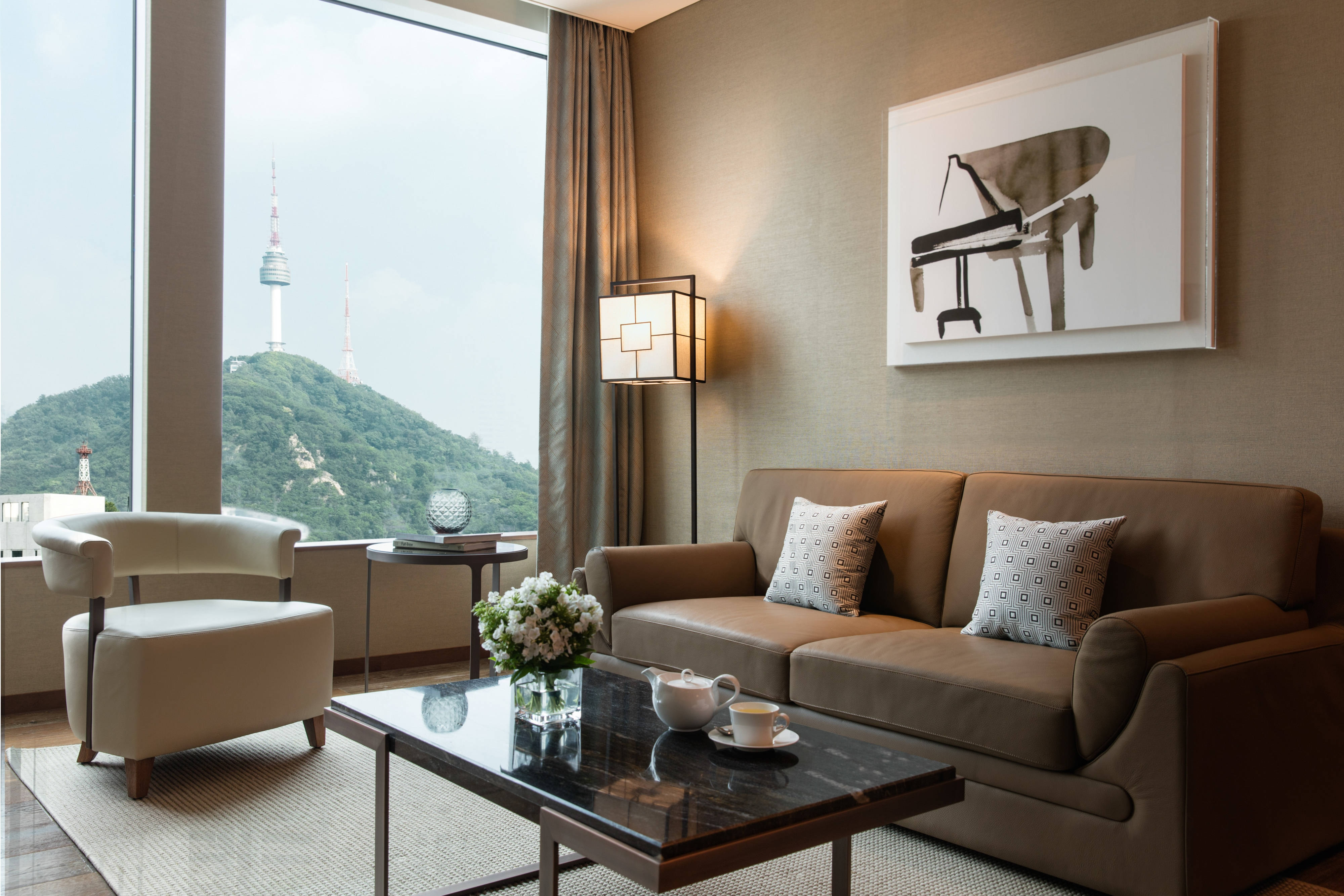 Seoul Tower View Suite - Living Area