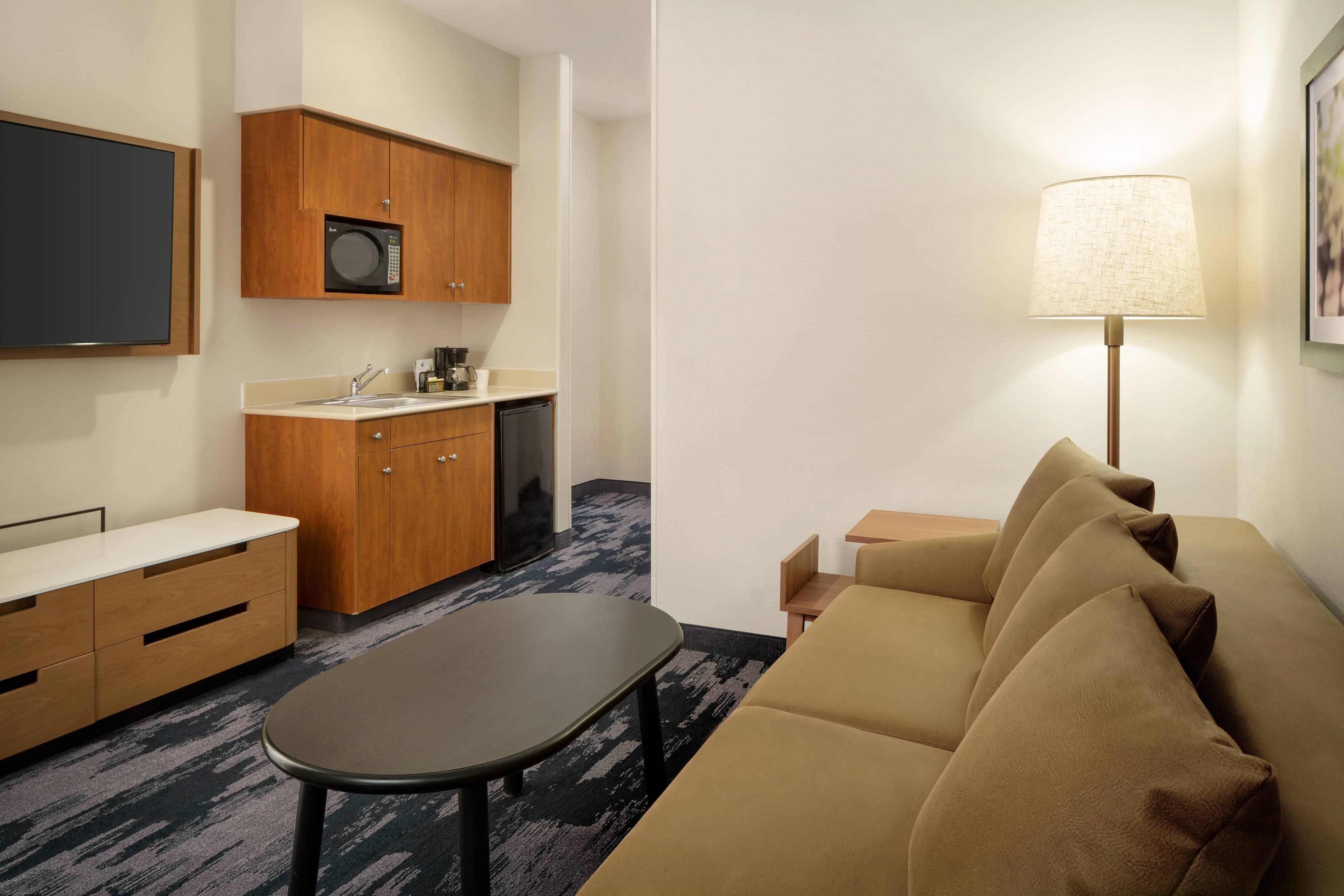 Executive Queen/Queen Suite - Sitting Area
