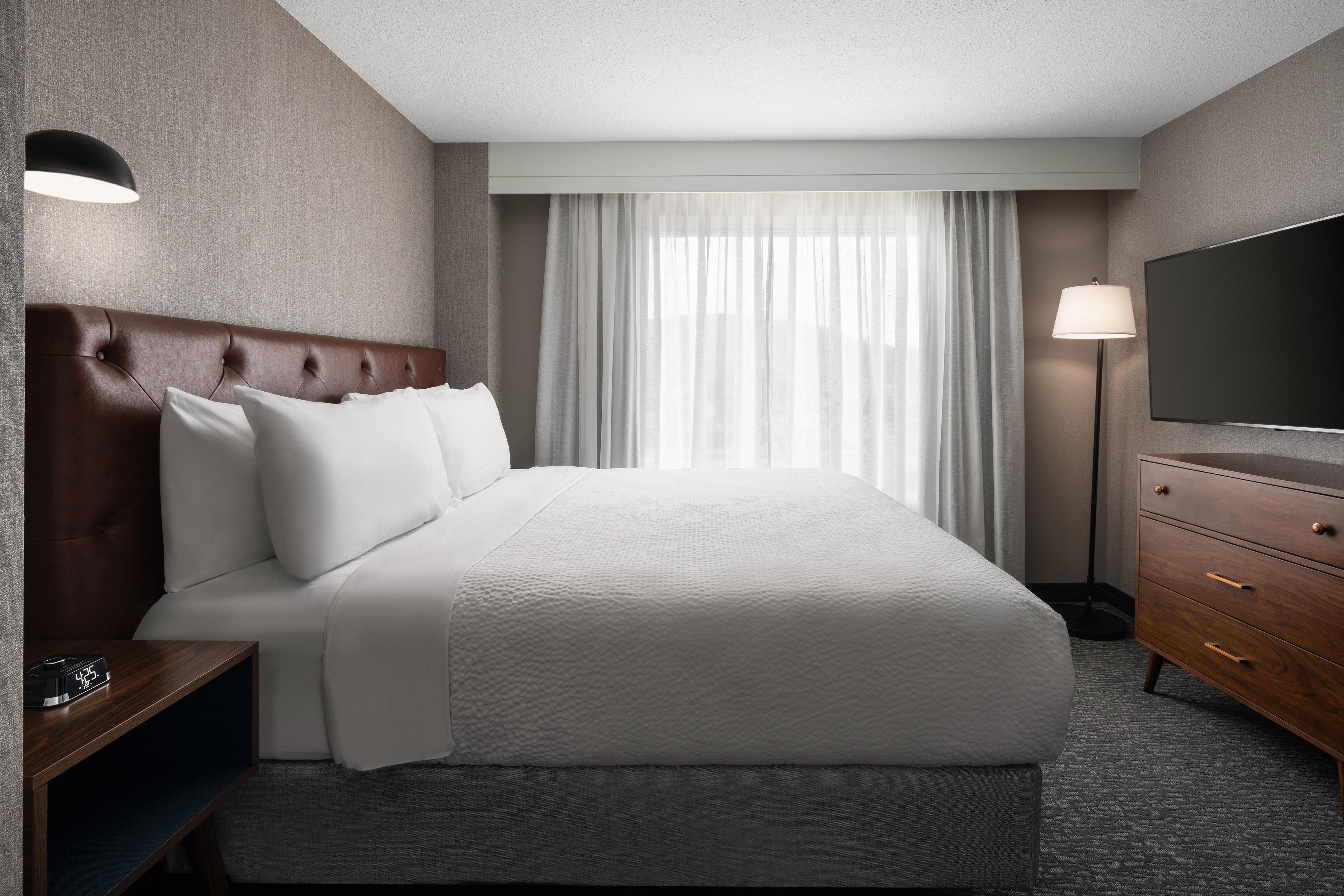 Двухуровневый лофт с 1спальней с двуспальной кроватью (King)