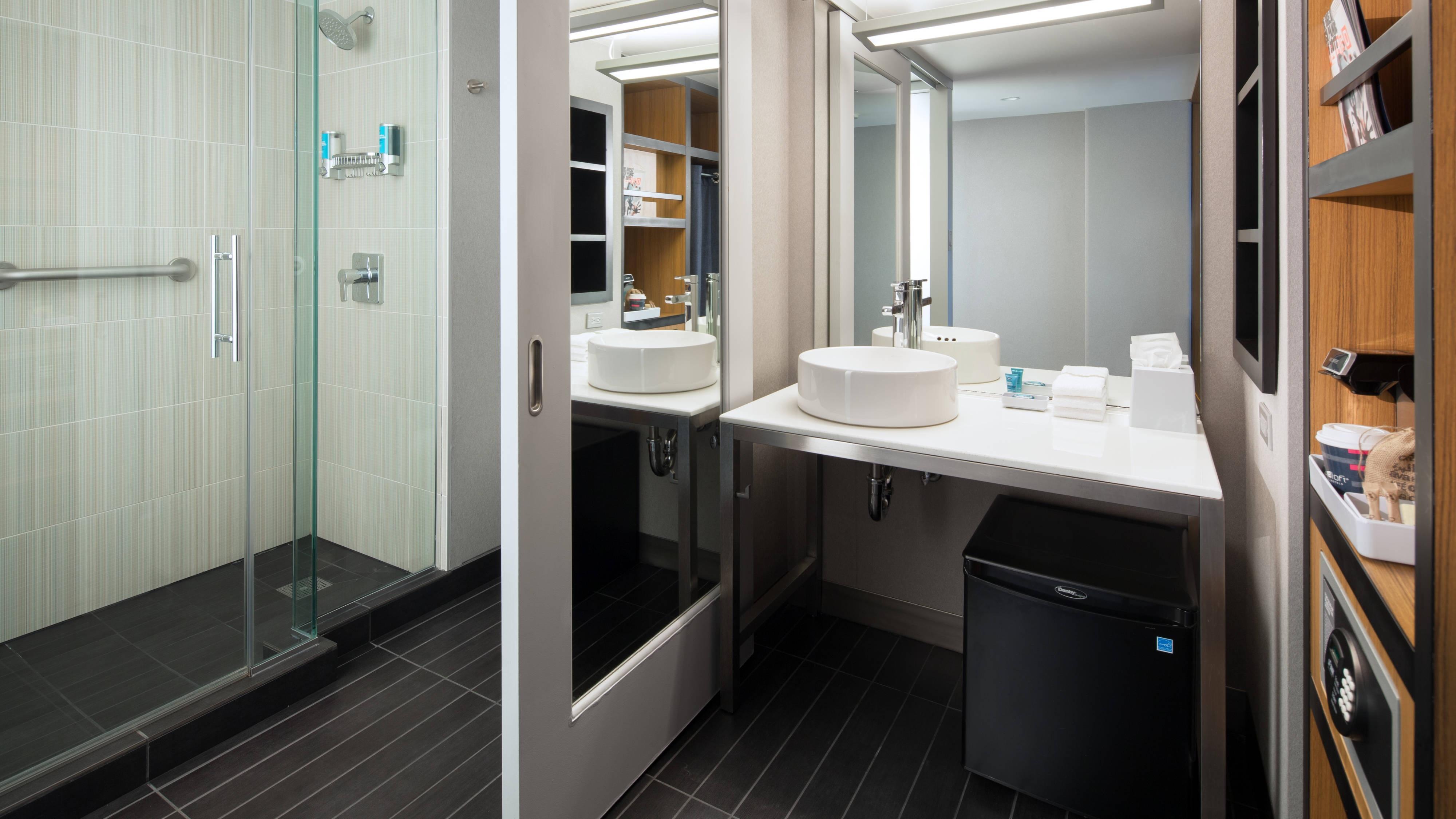 Queen/Queen Guest Bathroom