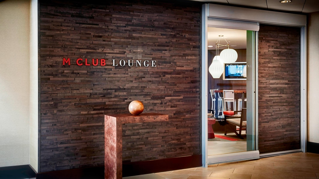 M Club Lounge – Eingang