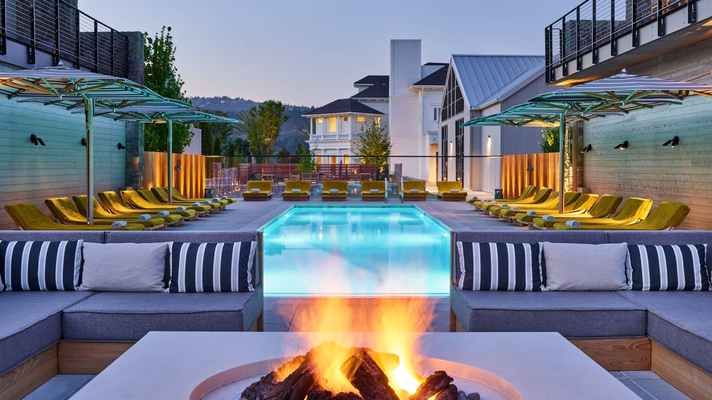Fire Pit Lounge Area