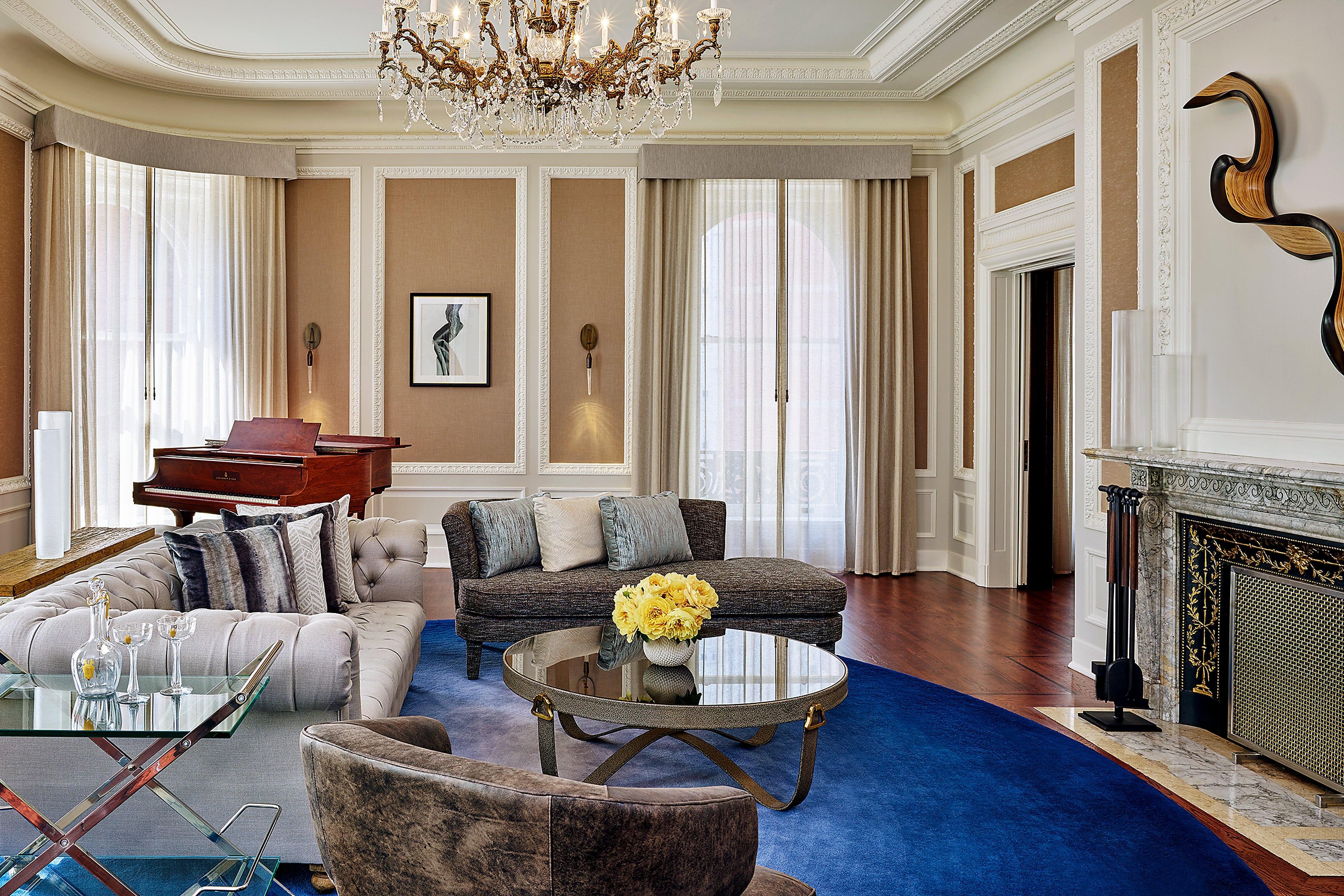 Presdiential Suite - Living Room