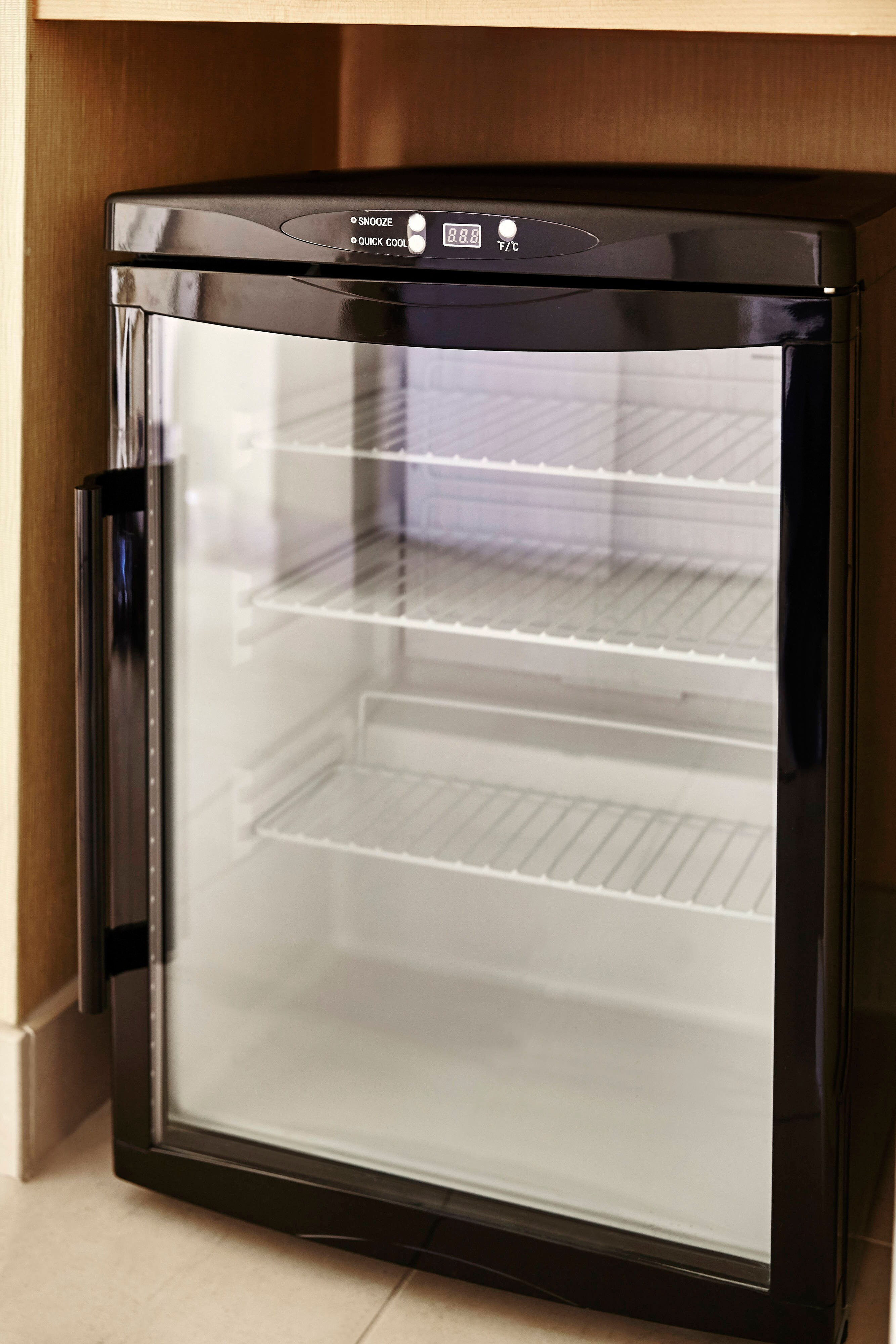 Deluxe Double/Double Room Refrigerator
