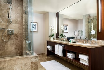 Windsor Suite - Master Bathroom